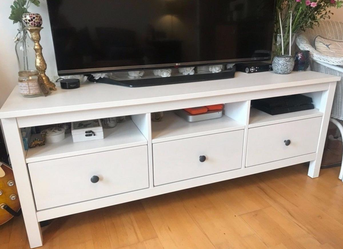 Fabulous Ikea Hemnes Tv Stand Bench Unit Alphanode Cool Chair Designs And Ideas Alphanodeonline