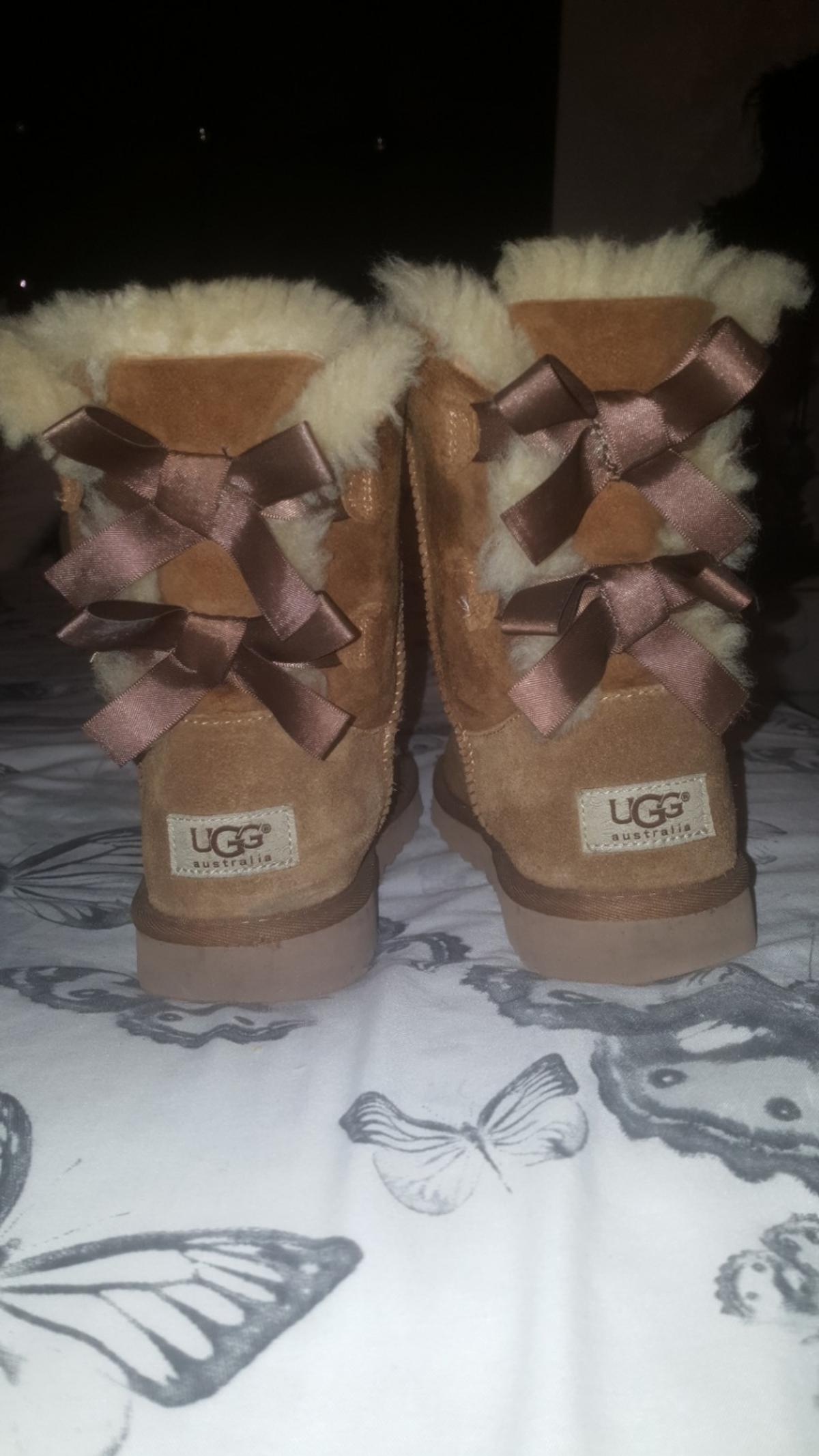amazing price buying now latest fashion Girls Tan bailey bow UGG boots size uk 2 in L11 Liverpool ...