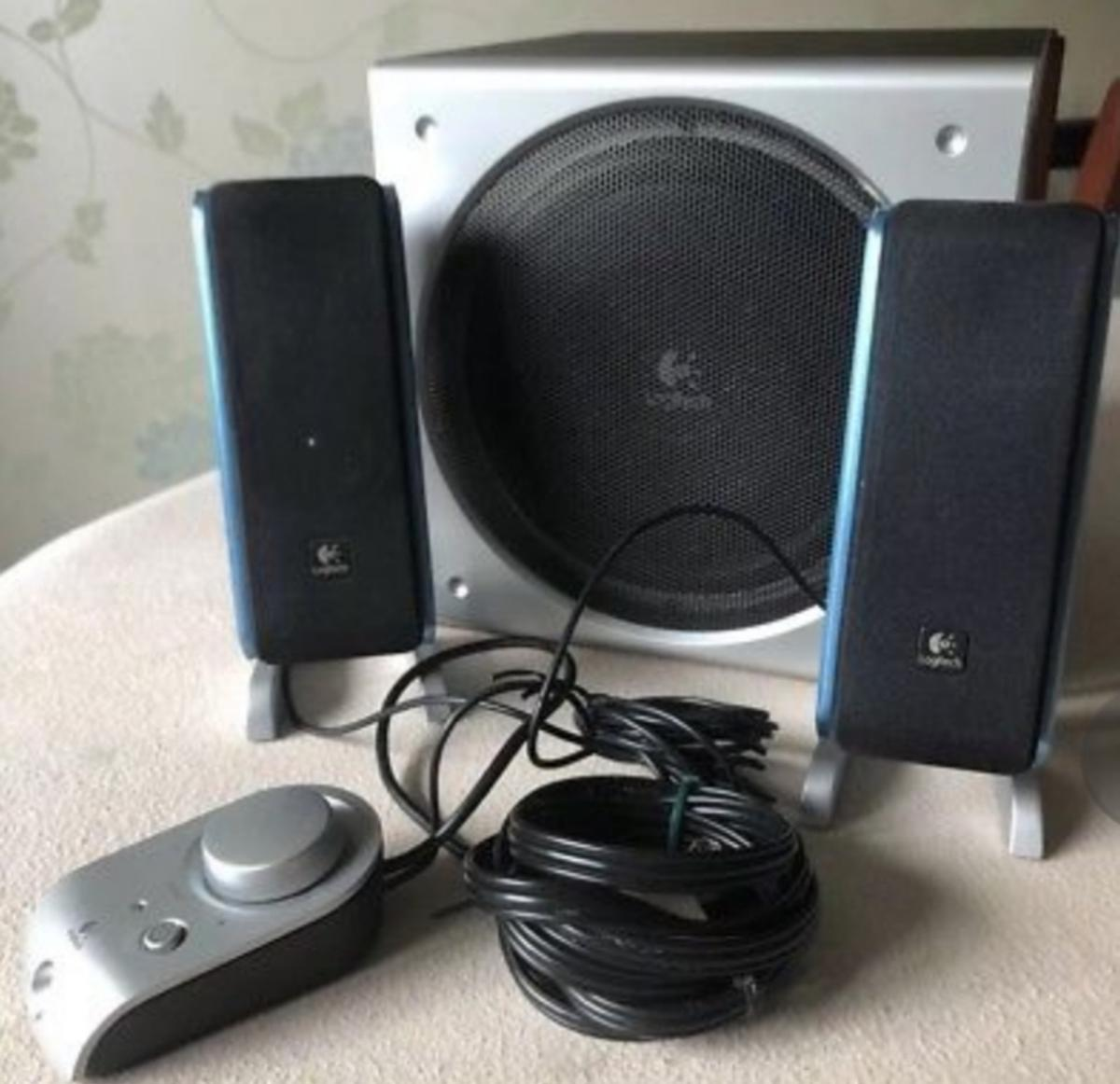 716823f46b1 Speaker with Subwoofer & Desk Speaker in for £30.00 for sale - Shpock