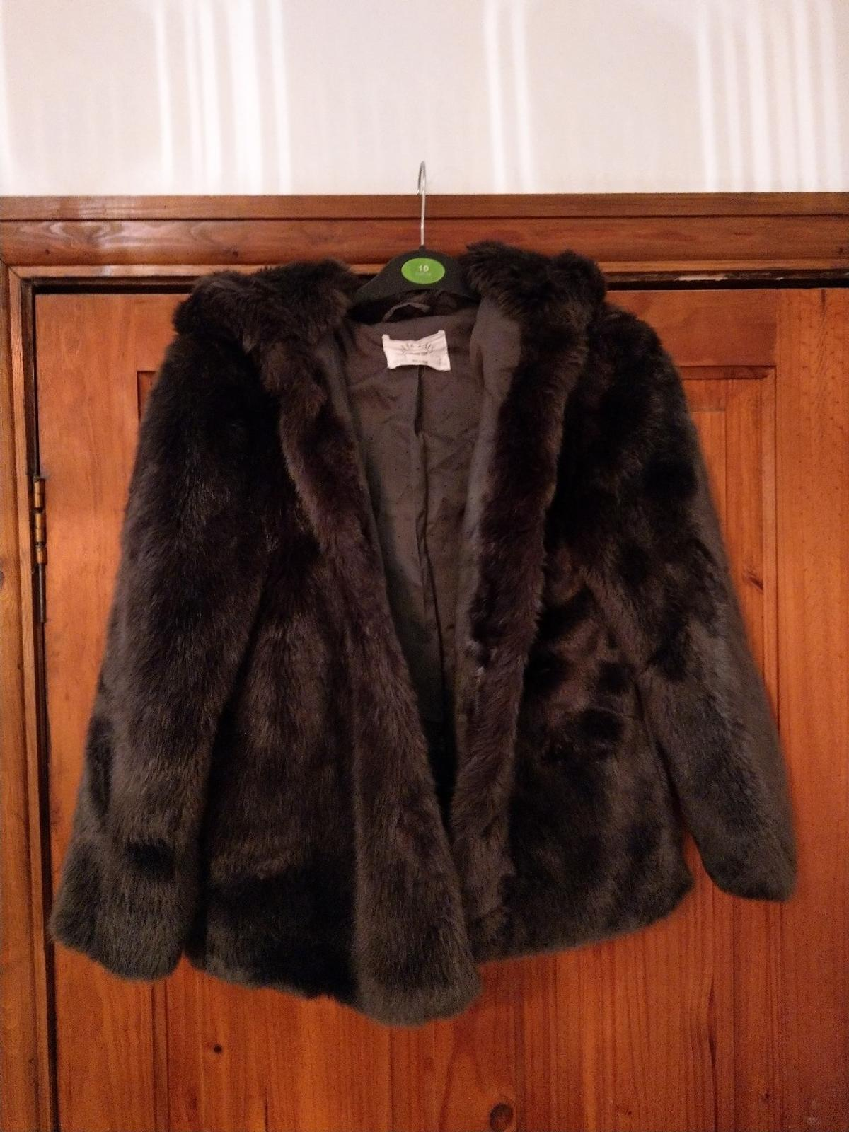 afb9aae4 Zara girls faux fur coat exc cond age 9/1. in PR25 Ribble for £10.00 ...