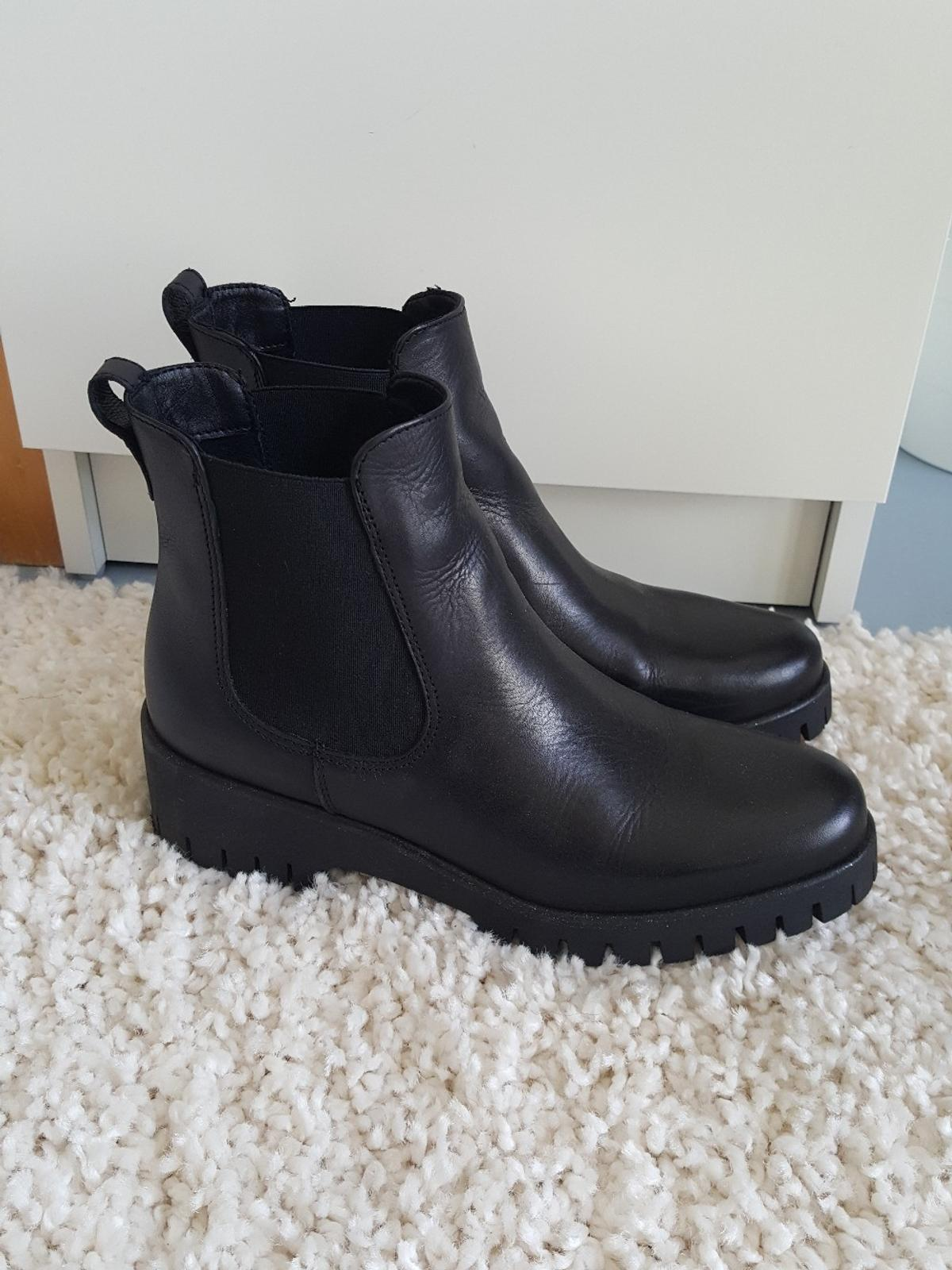 Tamaris Vekic Chelsea Boots in 23562 Lübeck for €68.00 for