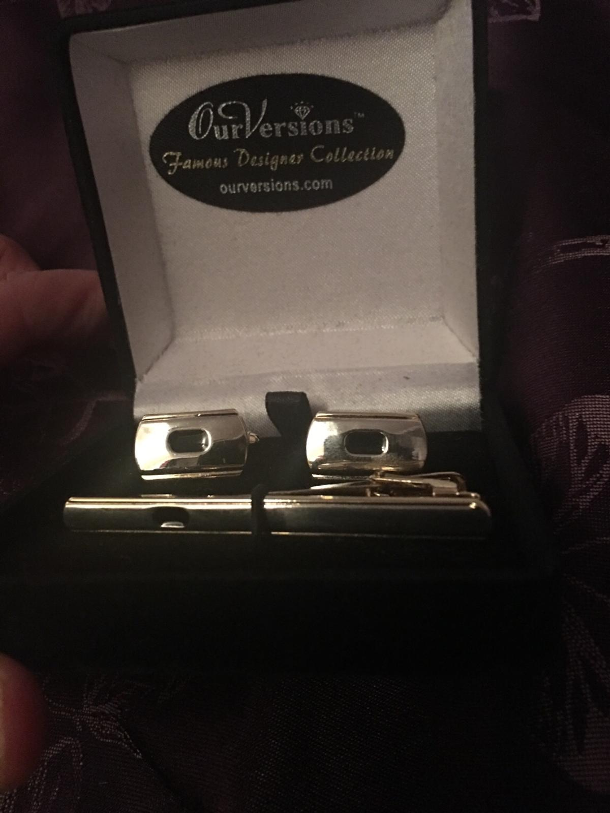 Men's cuff links and tie pin set