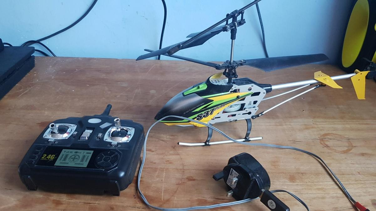 Rc Helicopter Read Description In Bletchley For 8 00 For Sale Shpock