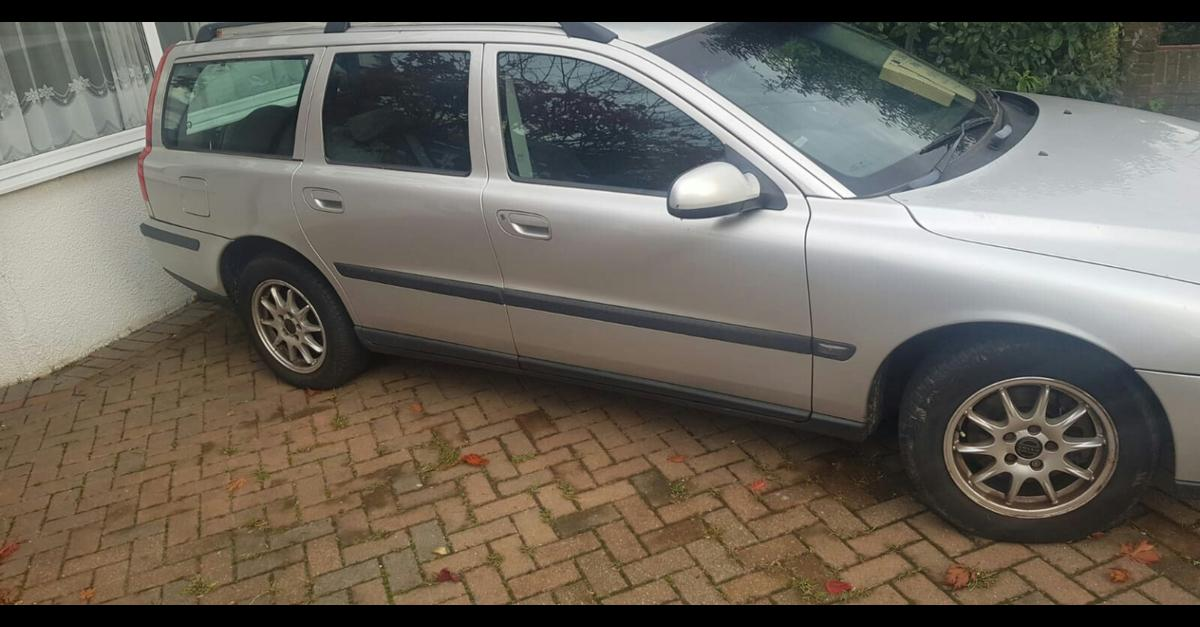 volvo v70 in CO16 Tendring for £600 00 for sale - Shpock