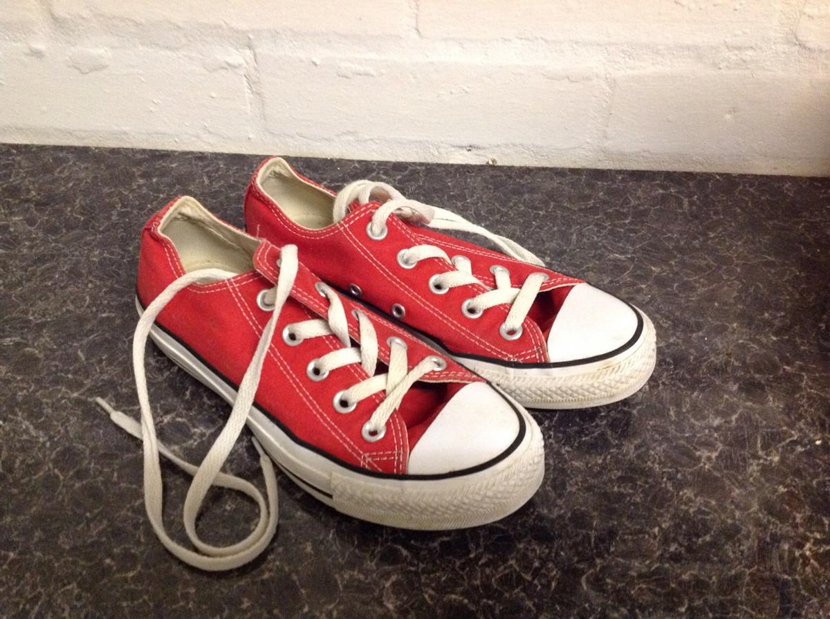 08ea5c3f13c8 Girls Converse trainers size 3 Junior in B61 Bromsgrove for £8.00 ...