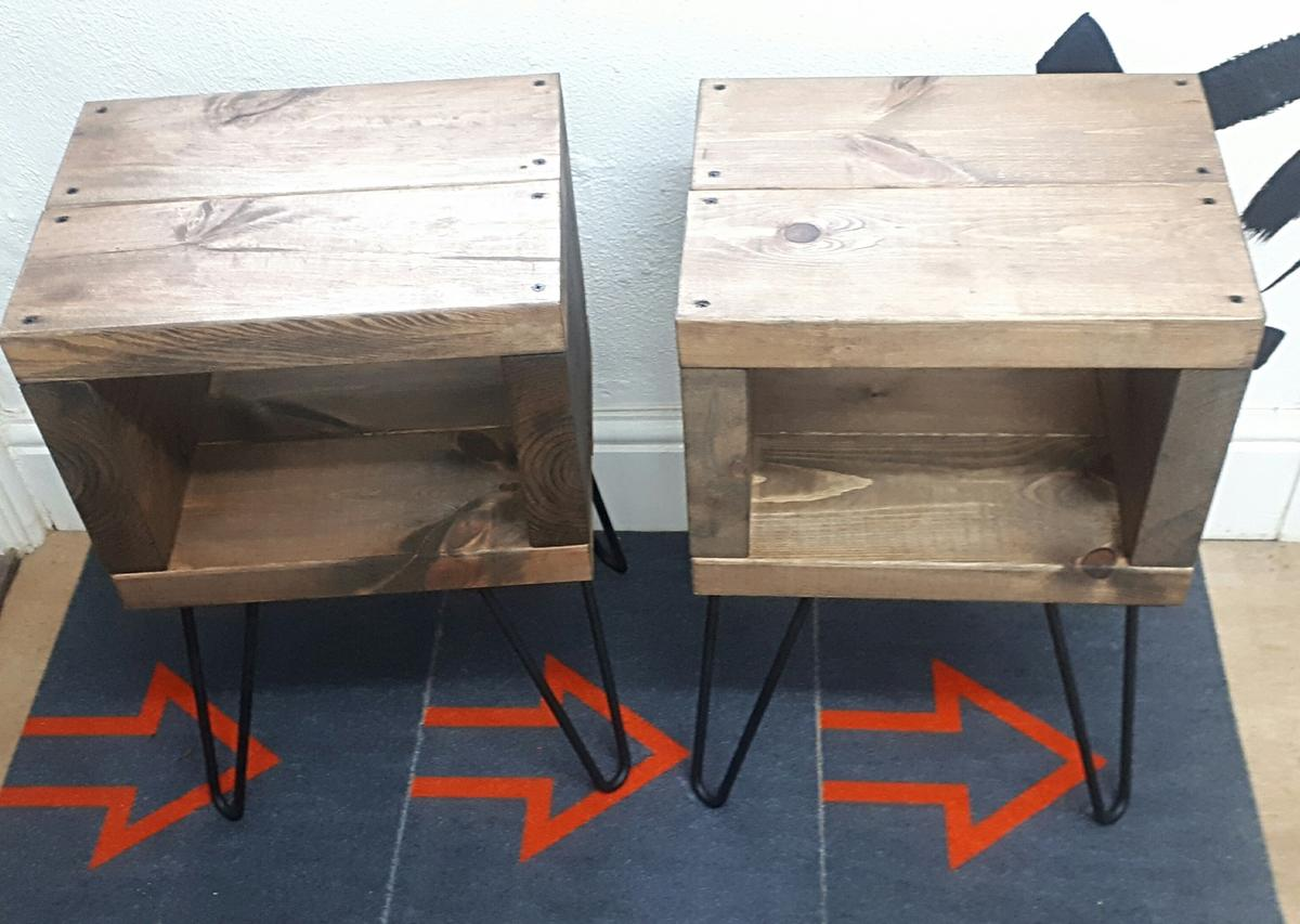 Rustic Bedside Table With Black Hairpin Legs In S80 Bassetlaw For 70 00 For Sale Shpock
