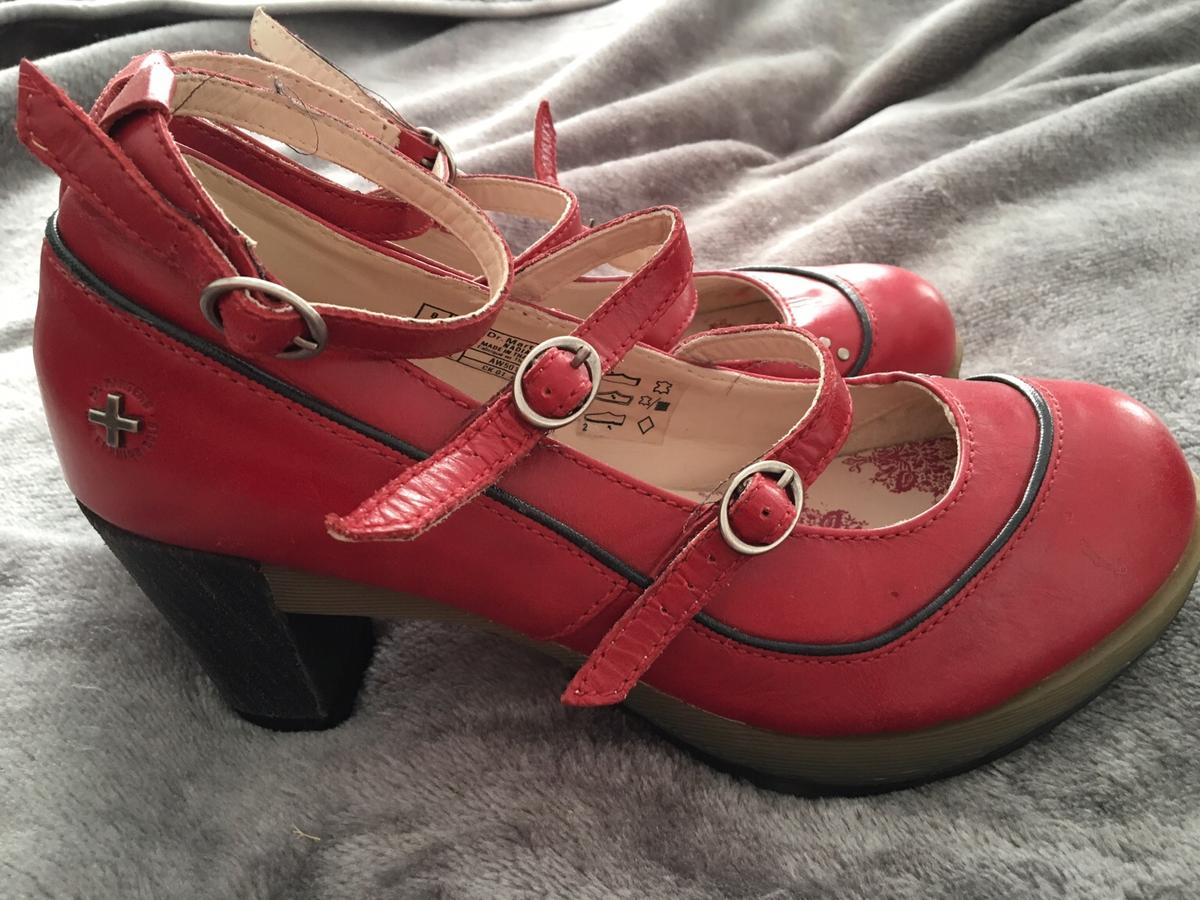 c0e96e5b2a5 Mary Jane Doc Marten women s chunky heels! in CR5 London für £ 60