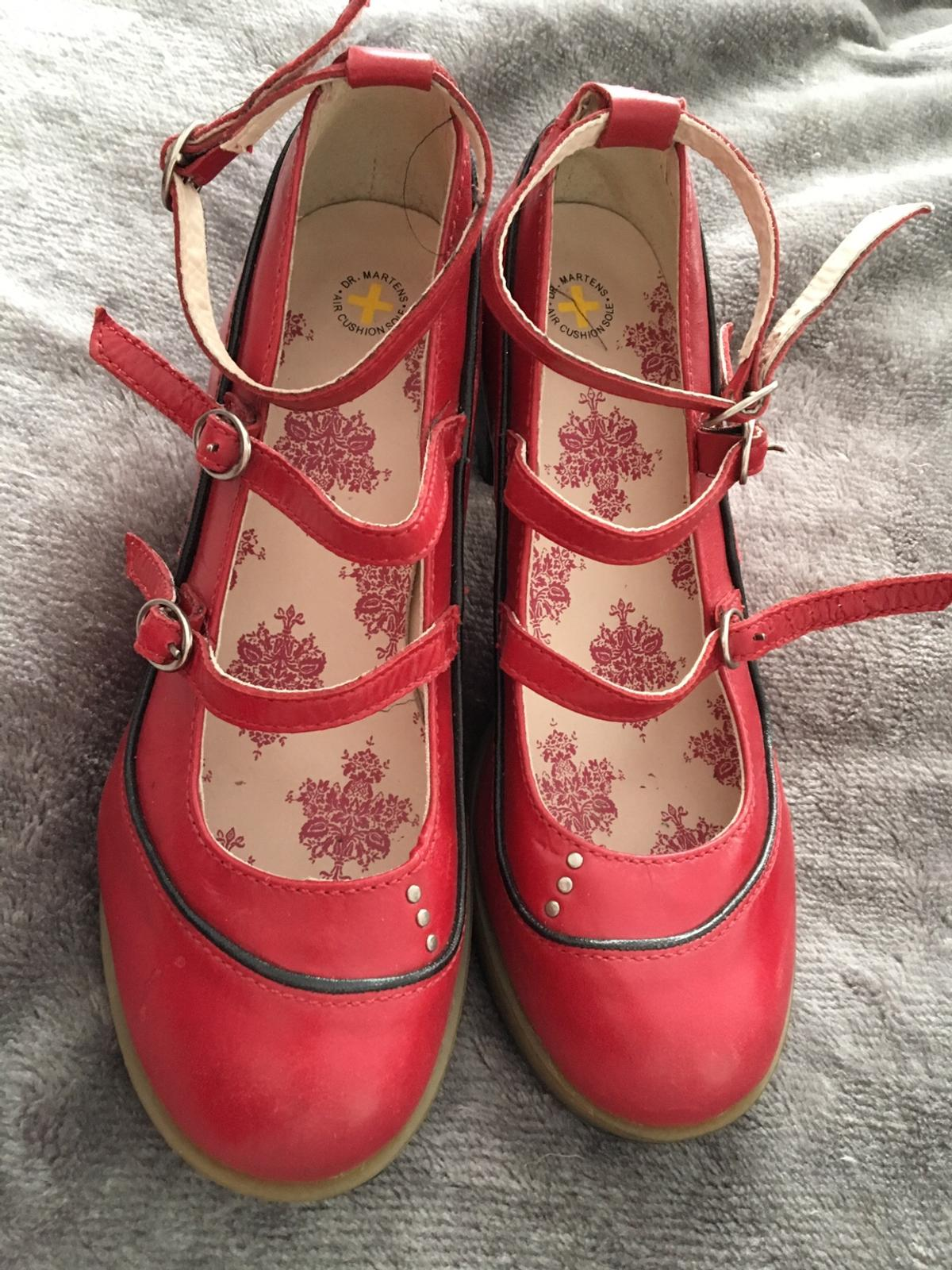 20090246f0e Beschreibung. Gorgeous red chunky Mary Jane genuine Doc Marten heels ...