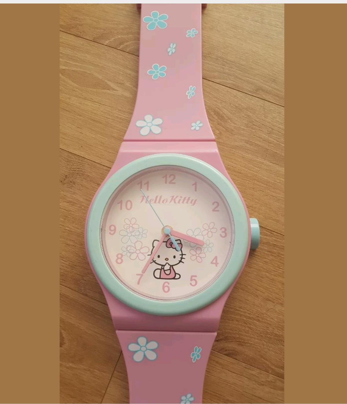 Hello Kitty Wall Clock In West Lancashire For 5 00 For Sale Shpock