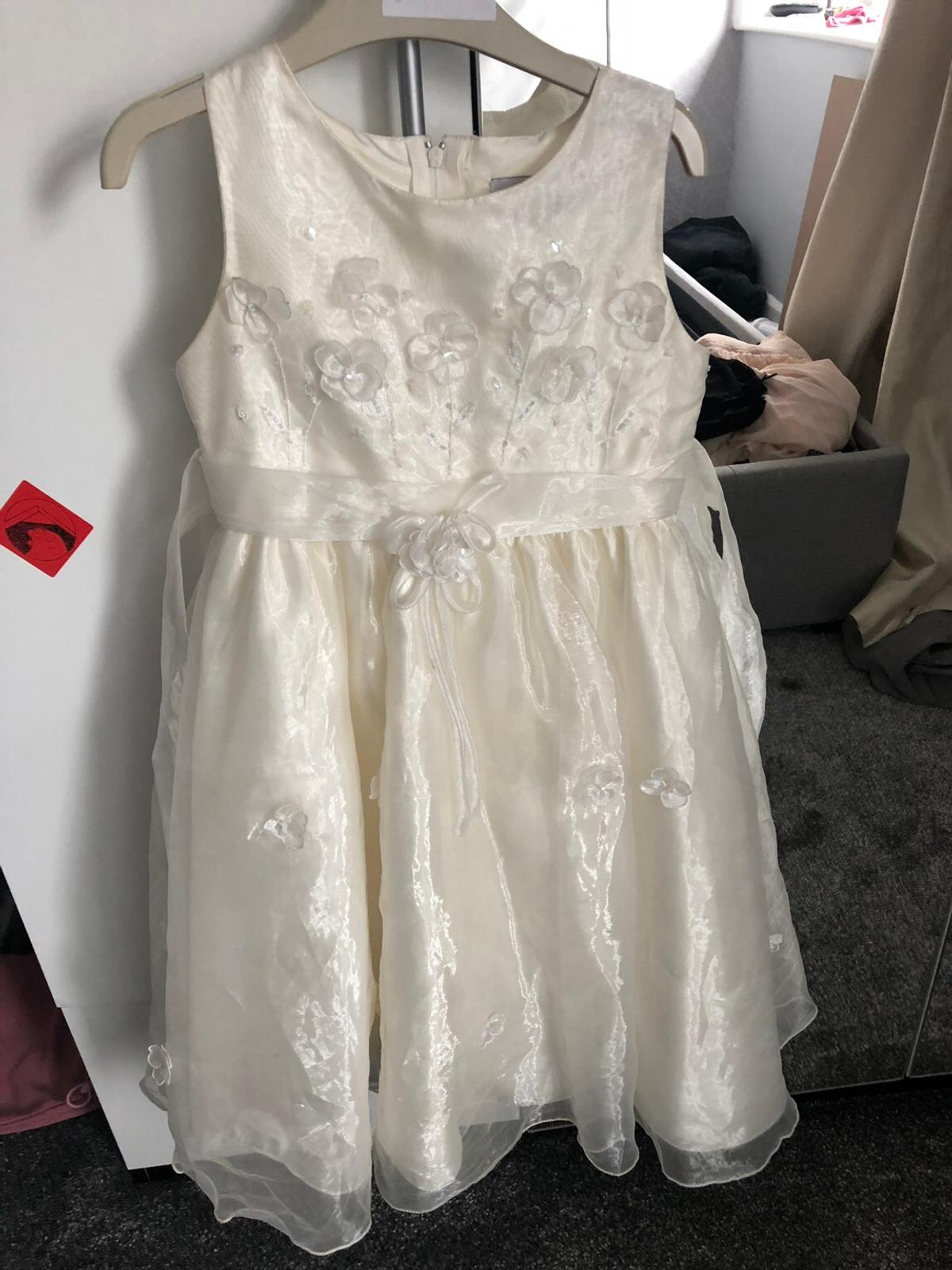 Girls bridesmaid dress aged 6