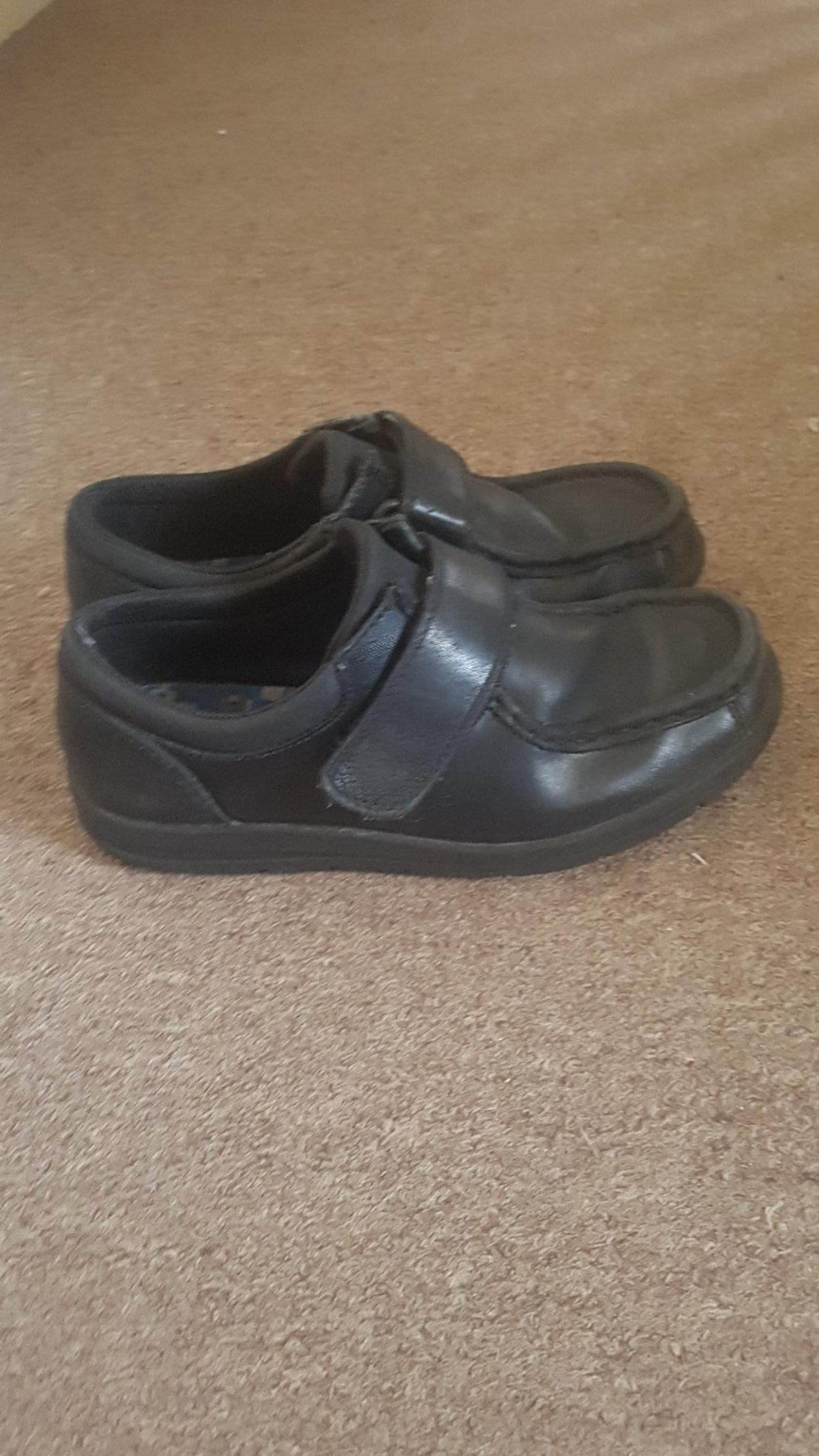 040b37ae618 Clarks boys bootleg shoes size 3 in TN23 Ashford for £10.00 for sale ...