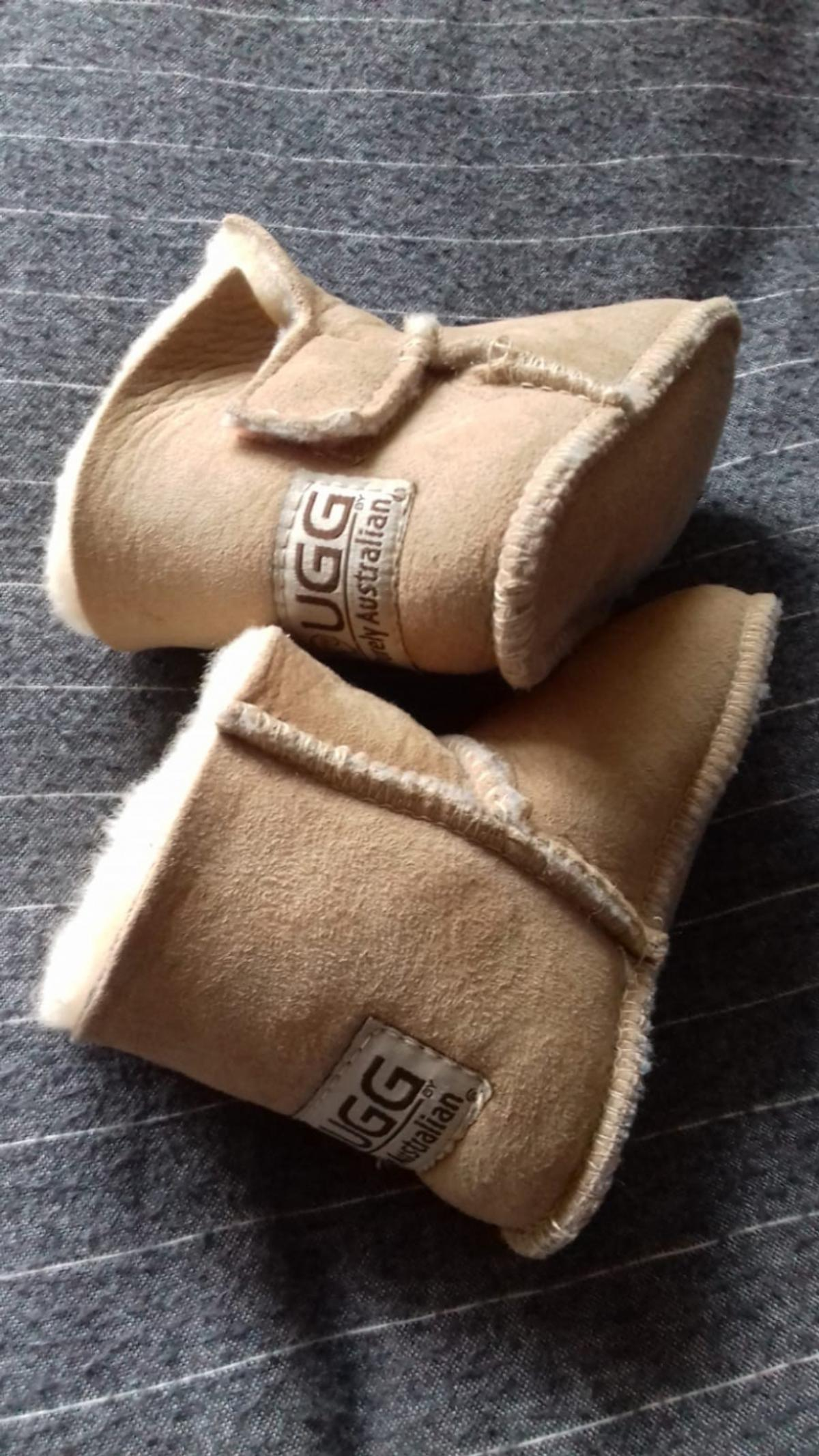 best value 0bf32 32f90 Baby Lammfell Boots in 63454 Hanau for €10.00 for sale | Shpock