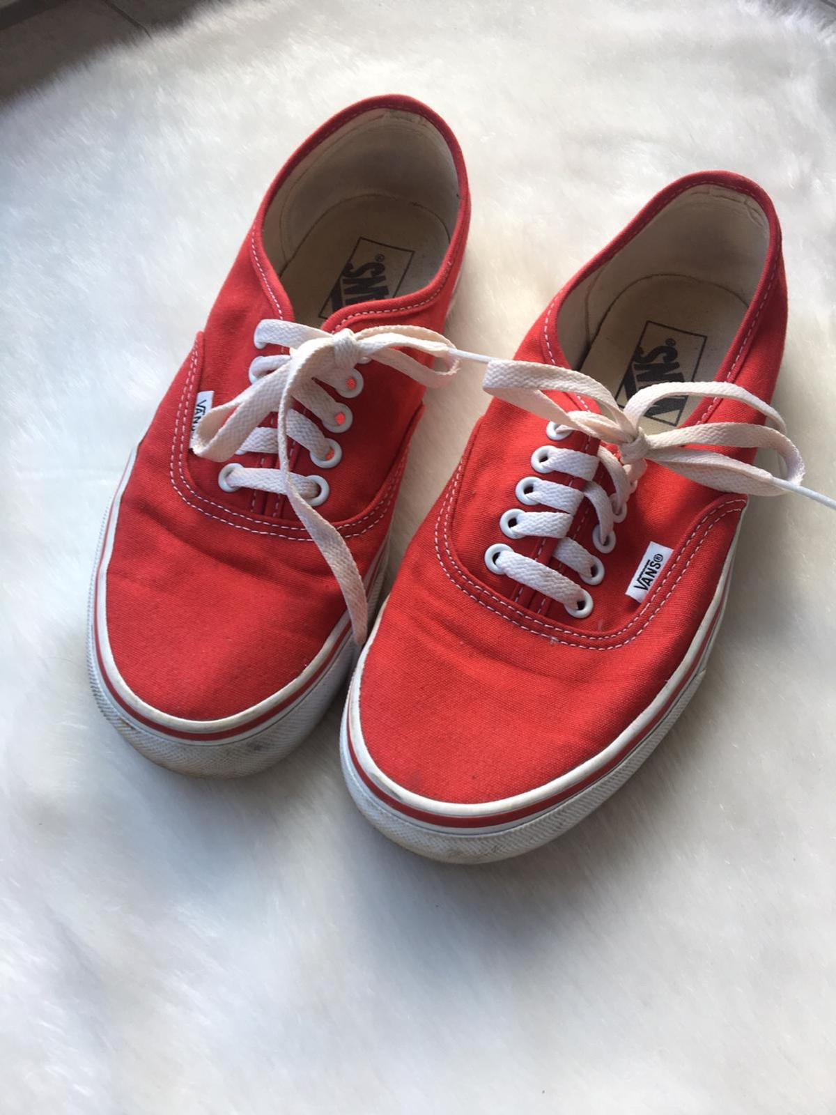 Vans Authentic in rot (dicke Sohle)
