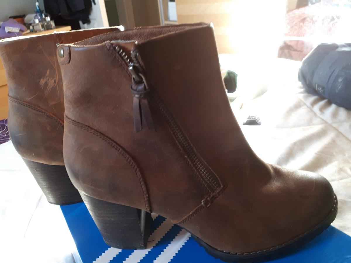 Clarks Ankle Boots Size 5.5 for sale