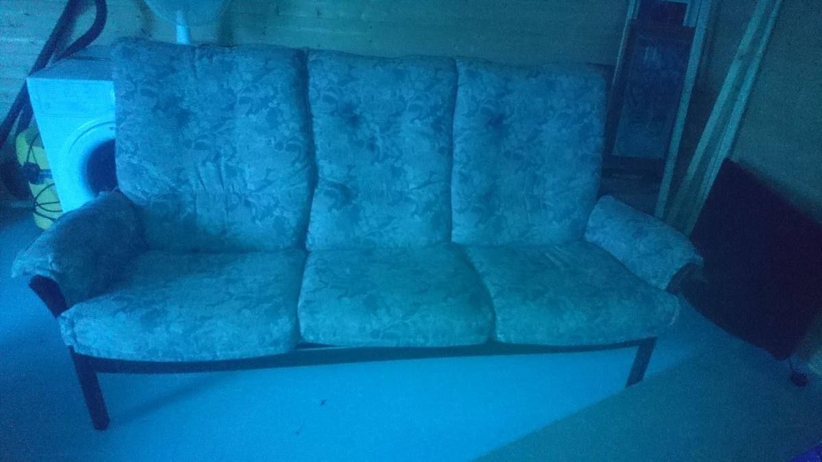 Astounding 3 Seater Sofa With Two Matching Chairs Evergreenethics Interior Chair Design Evergreenethicsorg