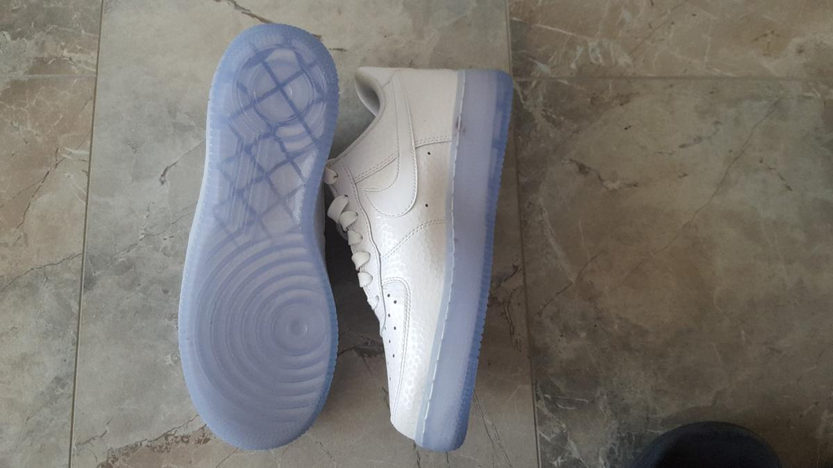 Original noch nie getragene Nike Air Force 1 in 71334