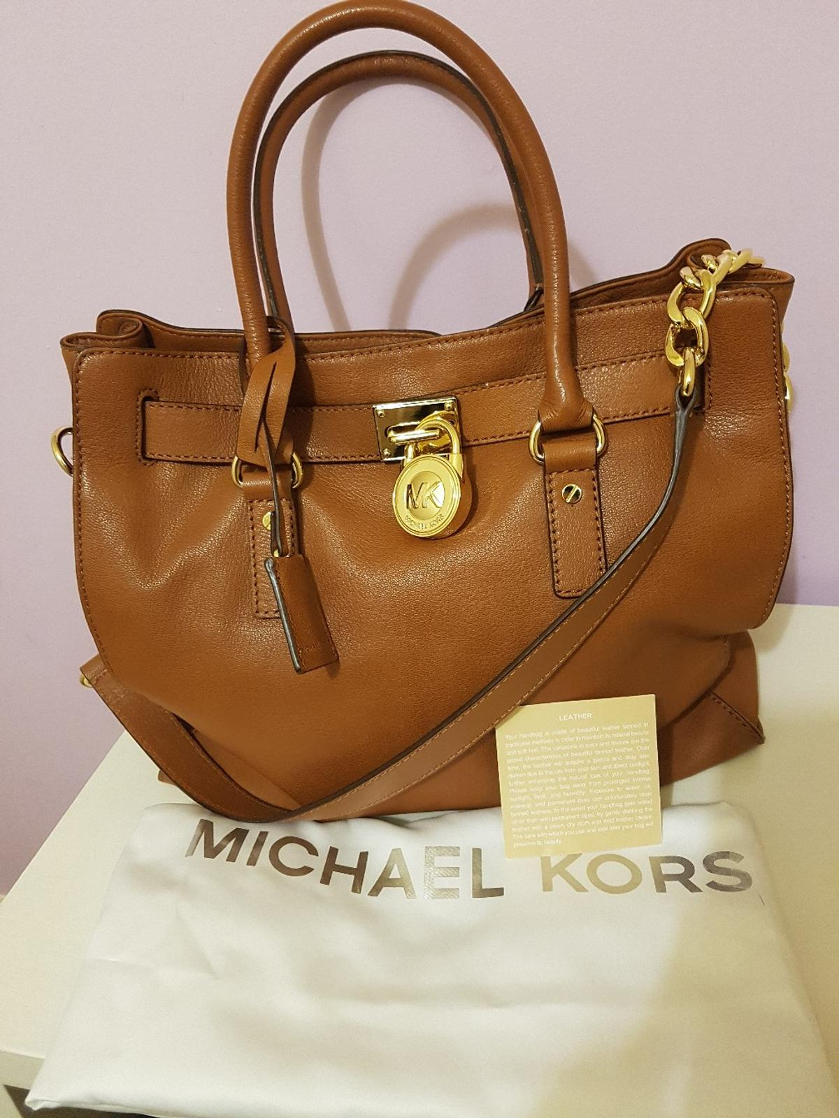 37b3660abe80 Description. Hi, Ladies and gents. I'm selling my lovely Michael Kors  handbag. - Real Leather.