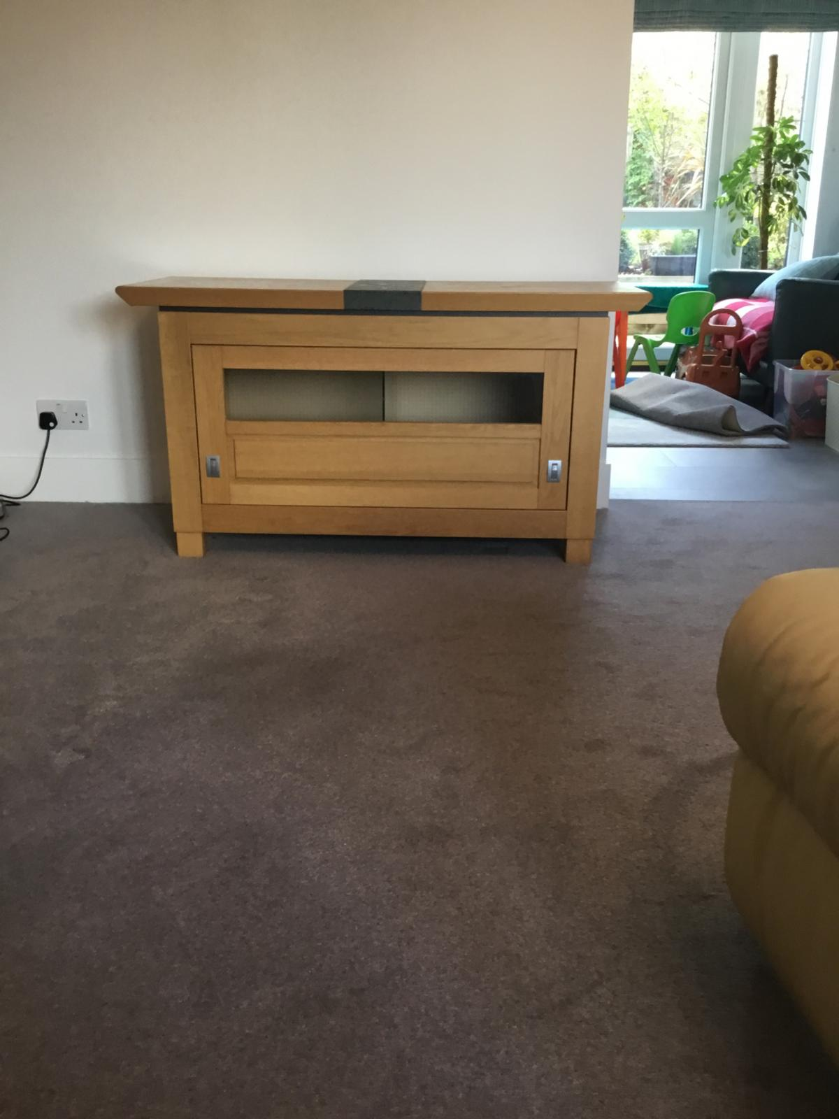 Light Oak Tv Hifi Cabinet In Bracknell