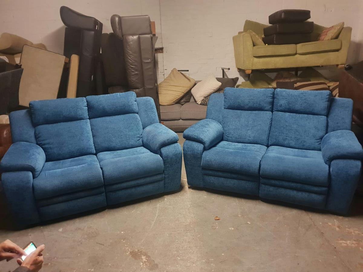 Enjoyable Dfs Barrett Teal Electric Reclining Sofa Set In M30 Salford Inzonedesignstudio Interior Chair Design Inzonedesignstudiocom