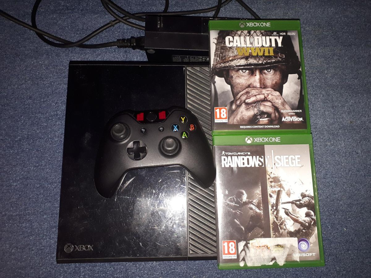 Xbox One console 500gb + Kinect + games