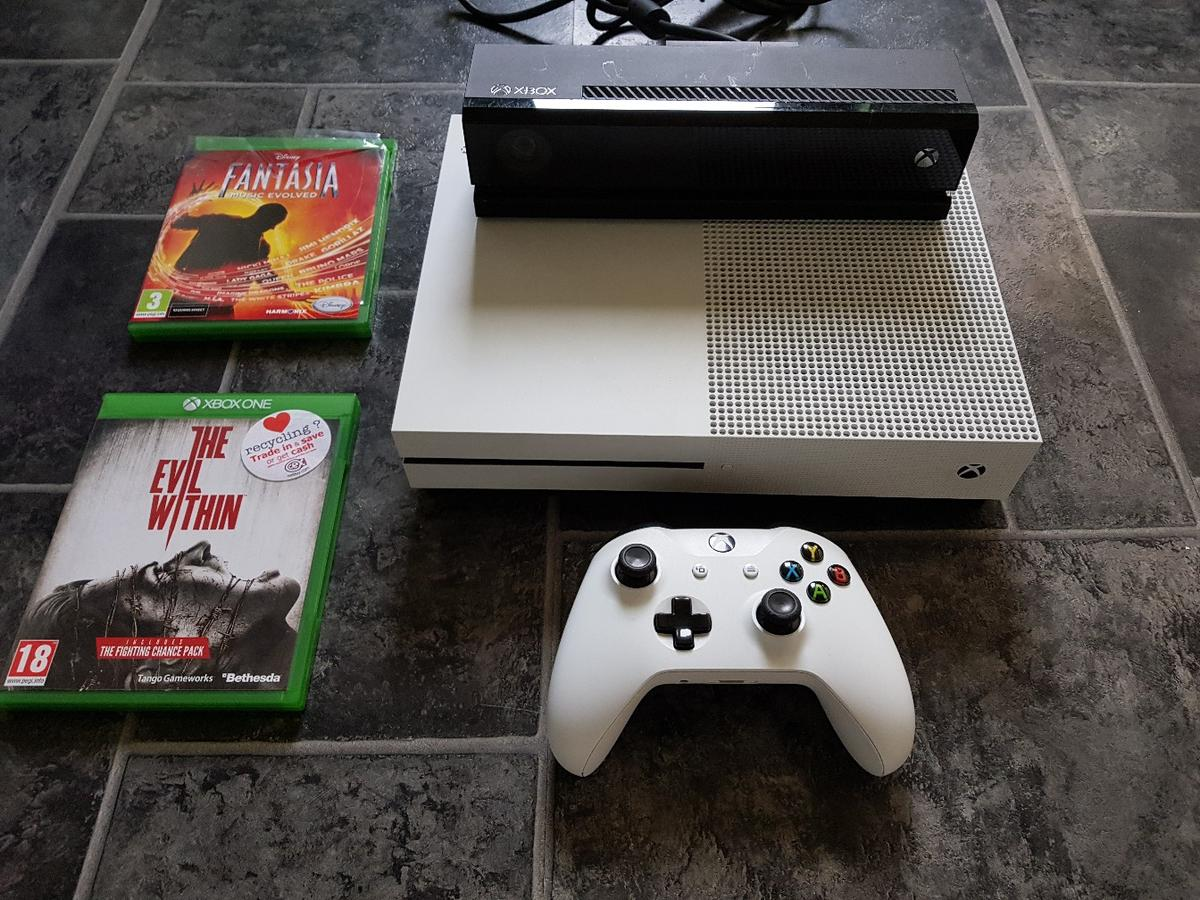 Xbox one s including 2 games and Kinect