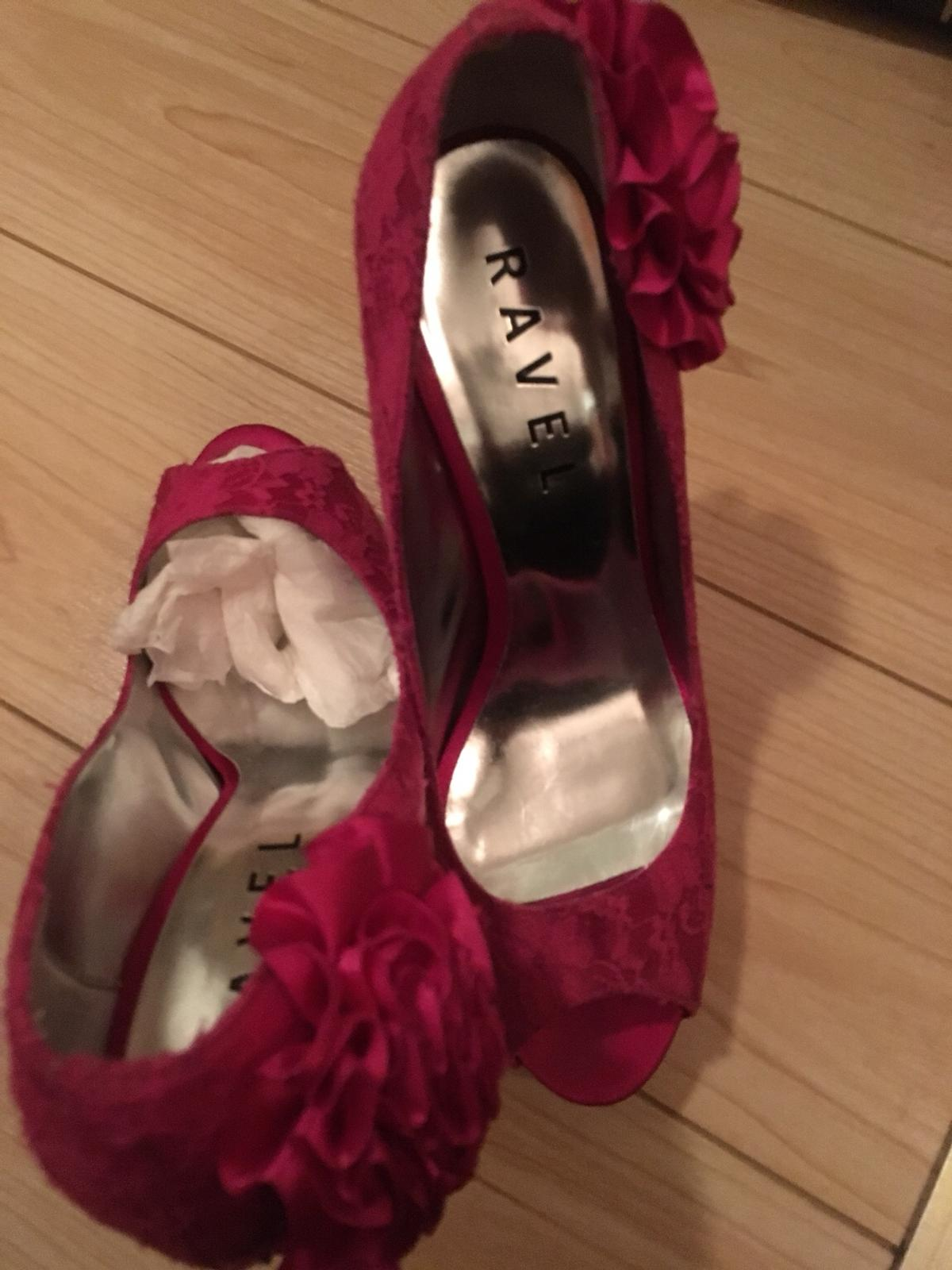 80fb32300289 Used size 8 Cerise pink lace peep toe in B43 Sandwell for £3.00 for ...