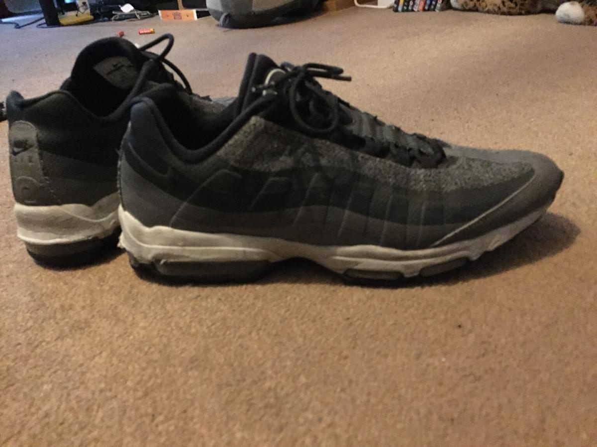 e6b98fd8a 95 men's shoes size uk9 - slightly worn in CT19 Hythe for £10.00 for ...