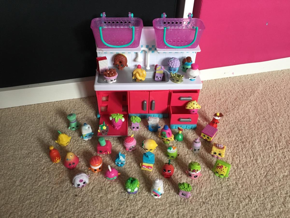 Shopkins Kitchen And Figurines In Tn23 Ashford For 20 00 For Sale Shpock