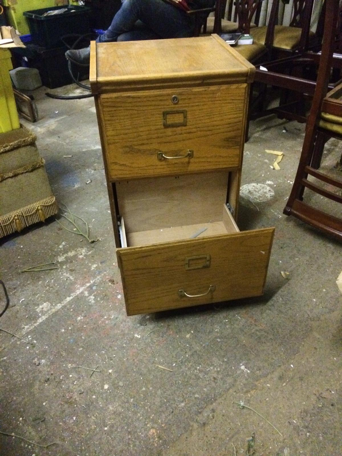 Picture of: 2 Drawer Vintage Filing Cabinet In Tw12 Thames For 35 00 For Sale Shpock
