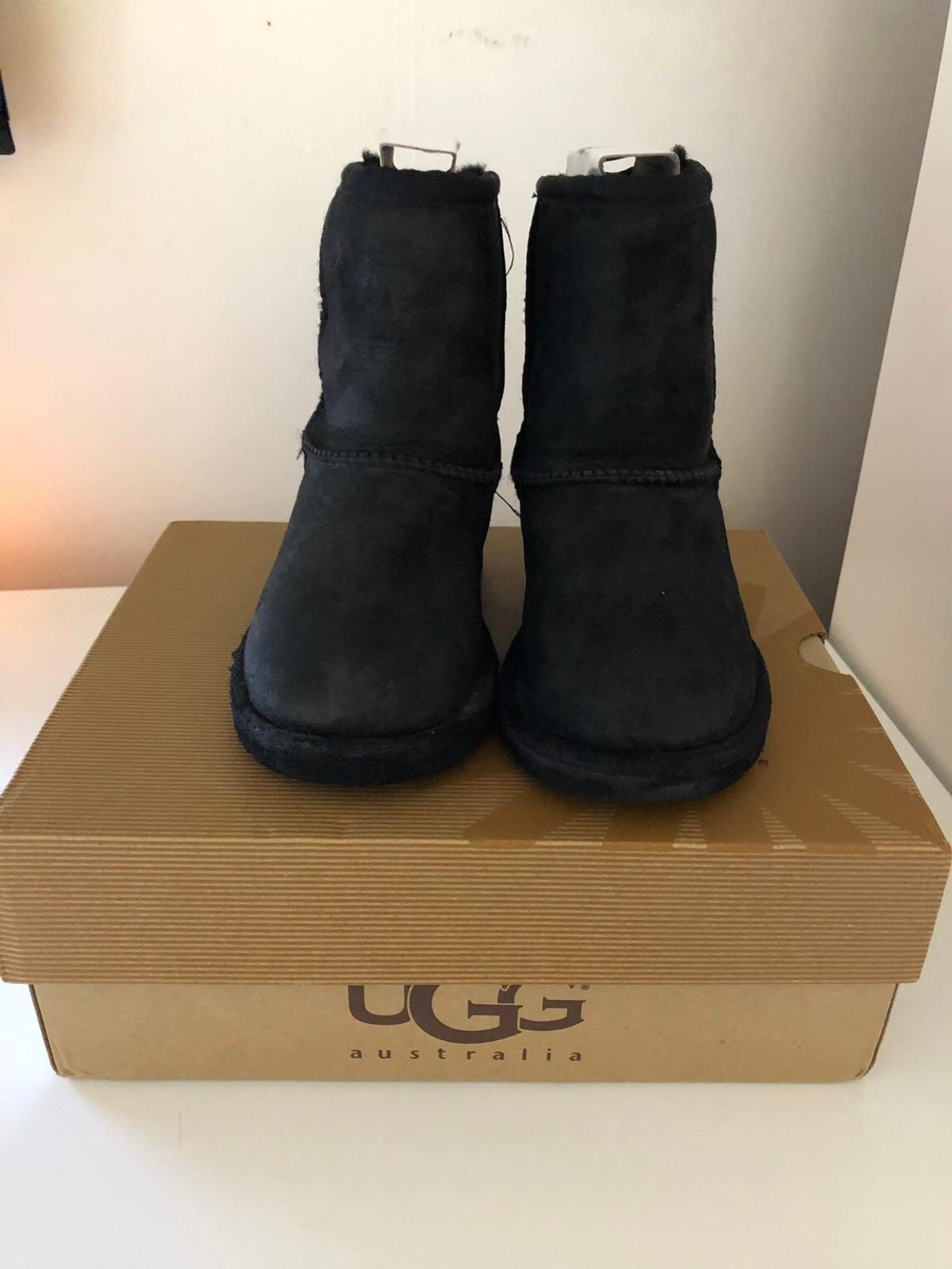 5a903e81fee Girls infant size 9 black ugg boots in N18 Enfield for £25.00 for ...