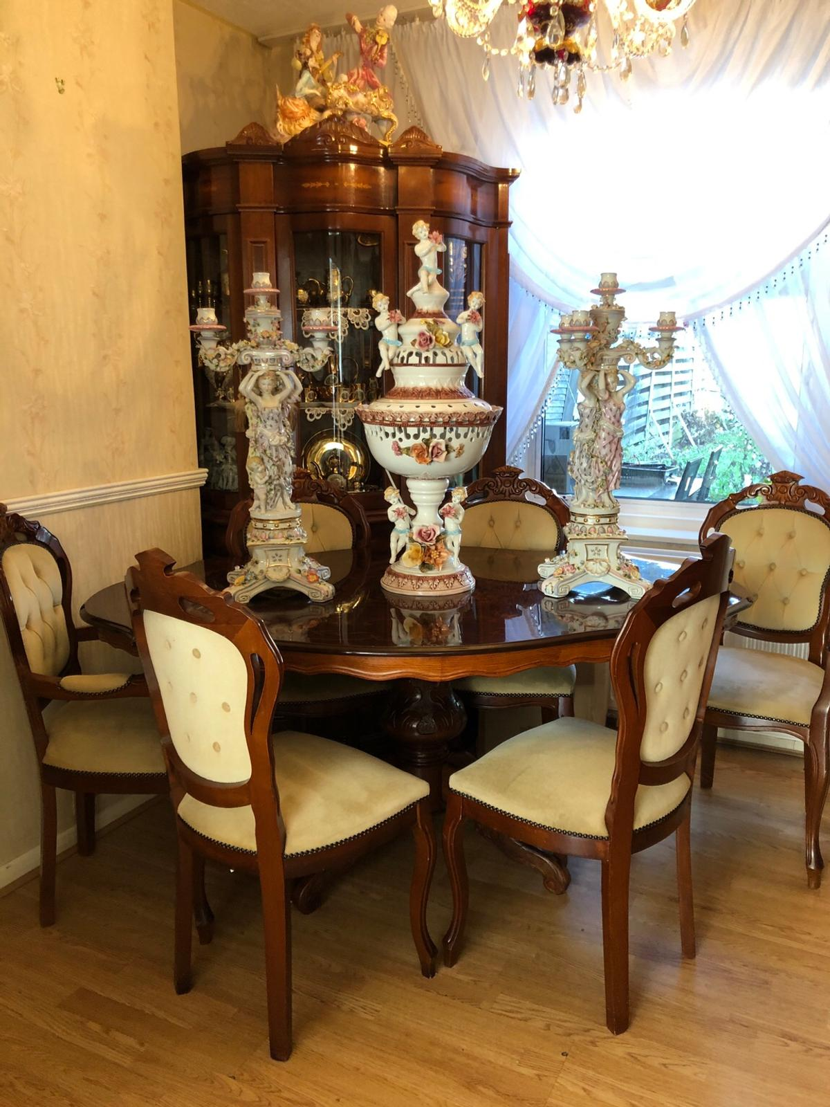 Italian inlaid wood table and chairs set in BR9 Lewisham für £ 9 ...