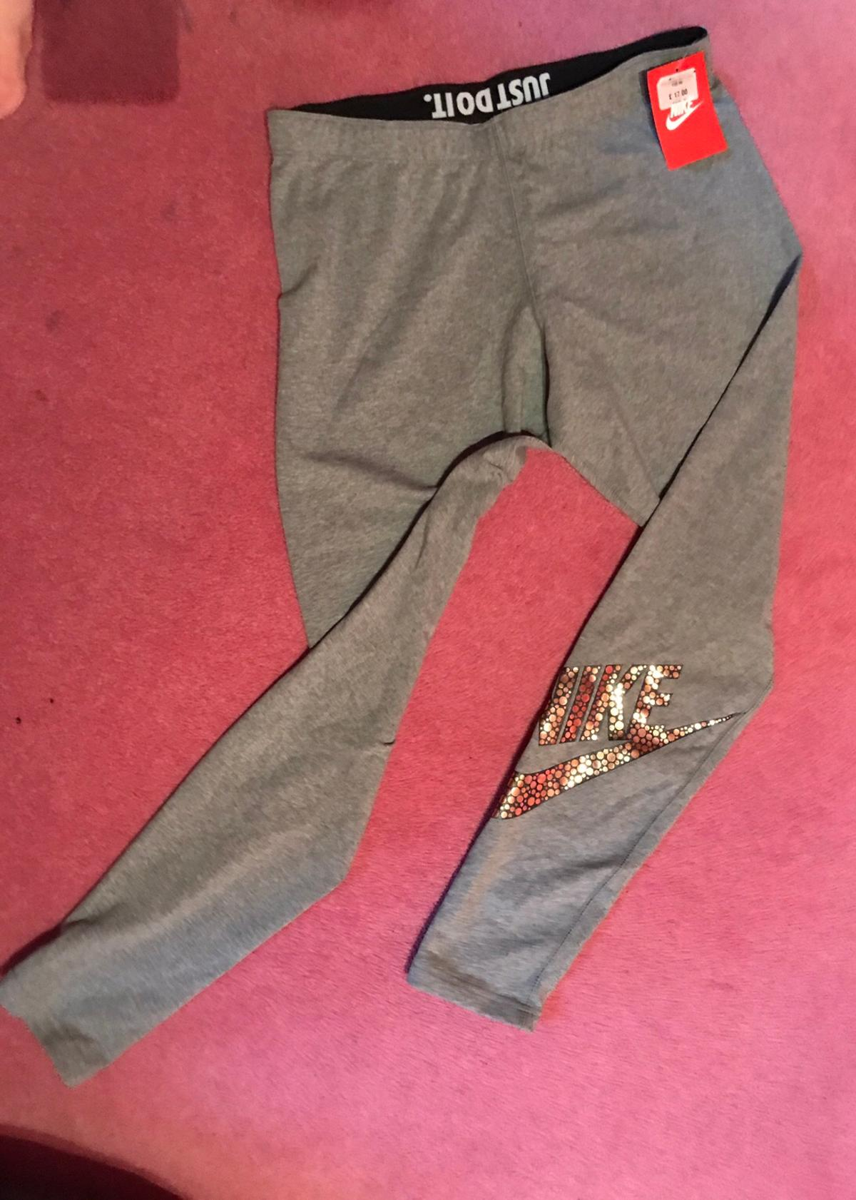 f7c36a79c67b4 Womens grey nike legging size large in Barnsley for £8.00 for sale ...