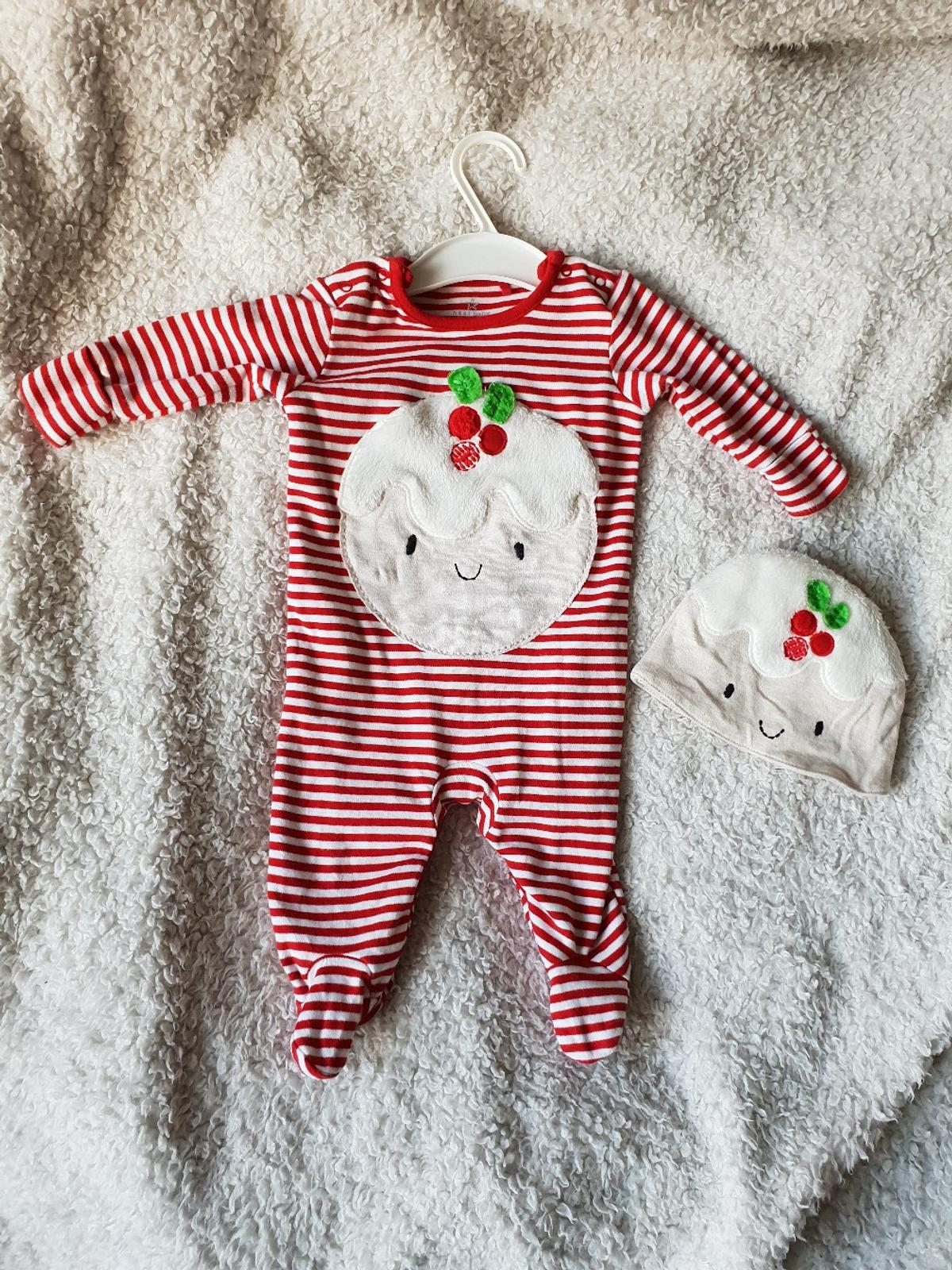 Christmas Pudding Baby Outfit.Baby Christmas Pudding Outfit In Br2 London For 2 50 For