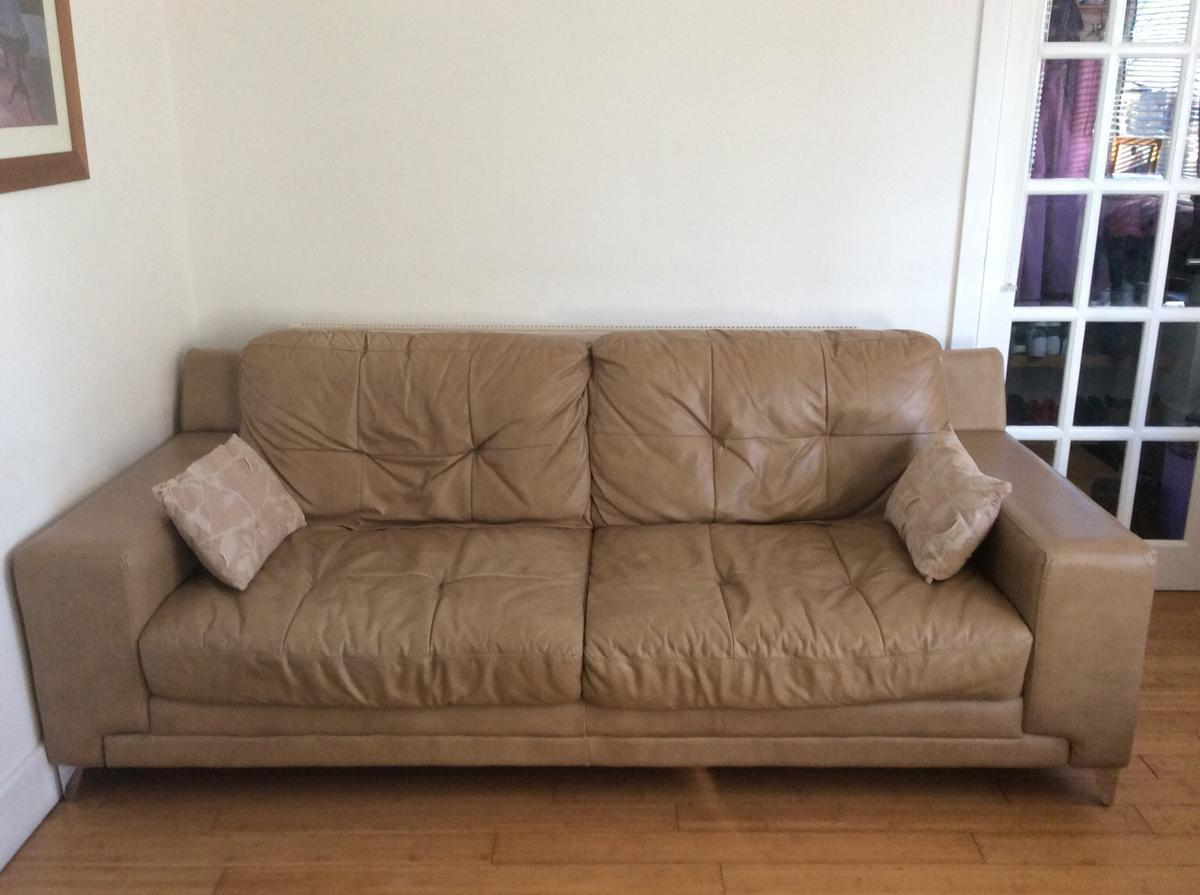 Sensational Dfs Domain 3 Seater Leather Sofa In Se9 Greenwich For Dailytribune Chair Design For Home Dailytribuneorg