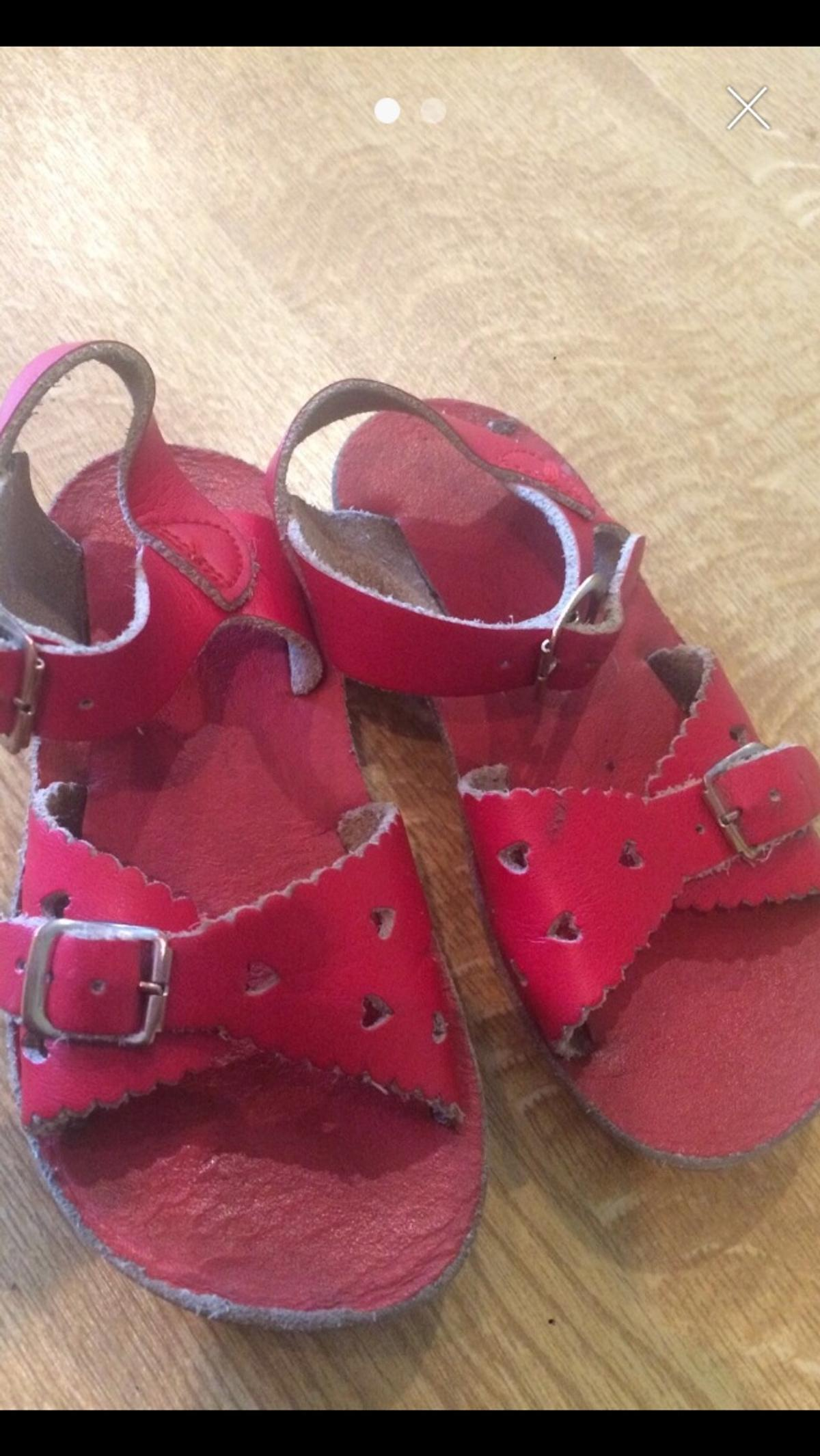 f15fdbbe9ccb Girls saltwater sandals size 8 in LN2 Lincoln for £15.00 for sale ...