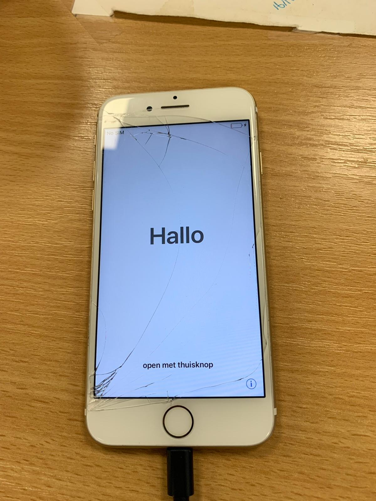 iPhone 7, 128gb Rose Gold with White UNLOCKED in Broxbourne