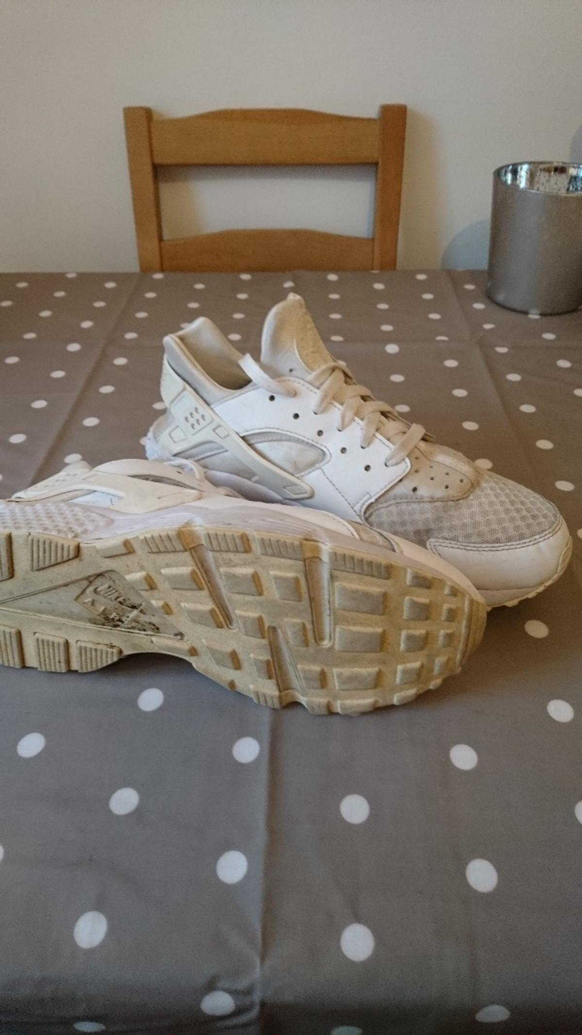 c5691d185942 Nike Huaraches white size 9.5 in CM13 Brentwood for £25.00 for sale ...