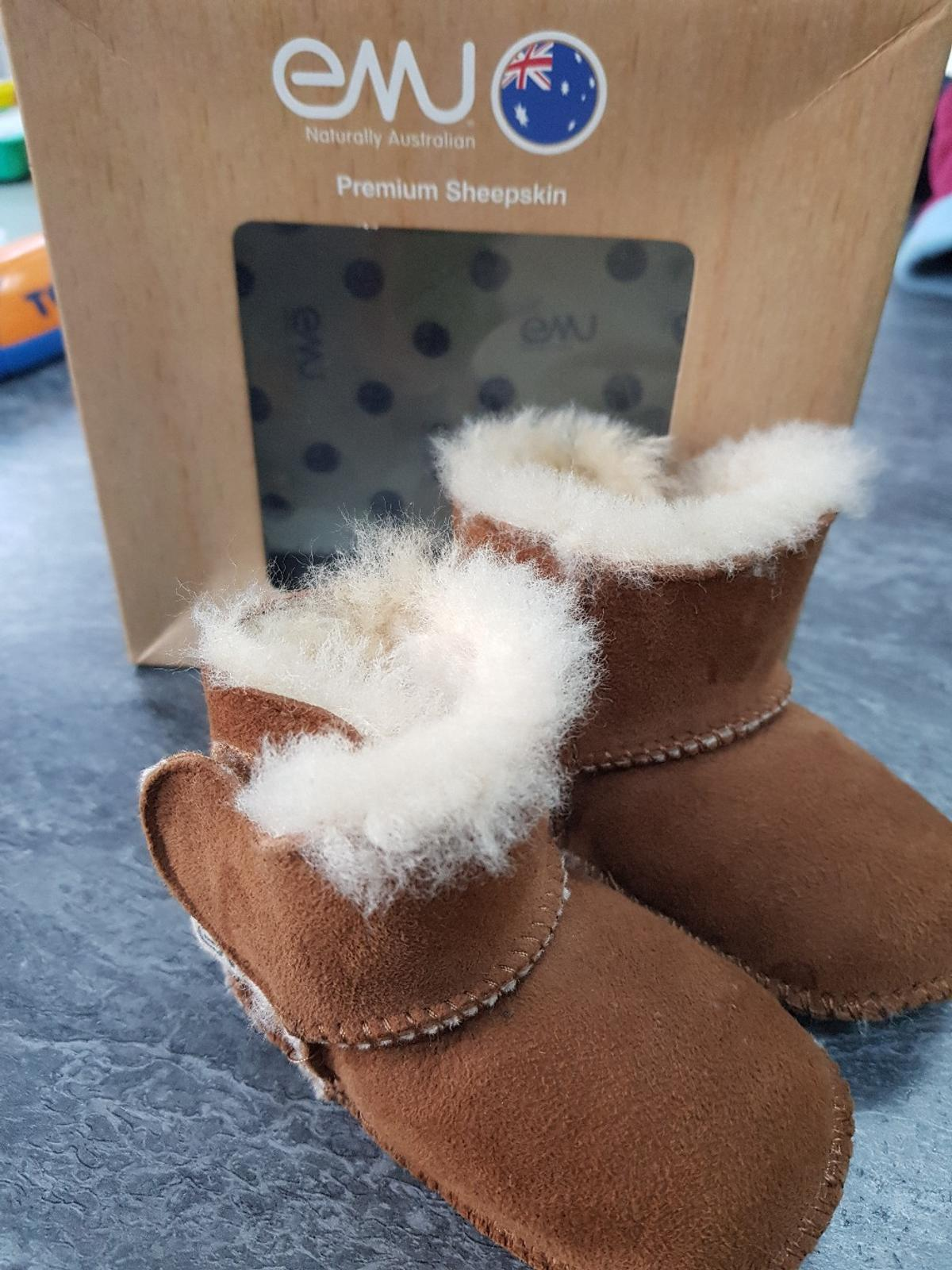04d7b0acce6 EMU BABY Booties 0-6 months UGG style