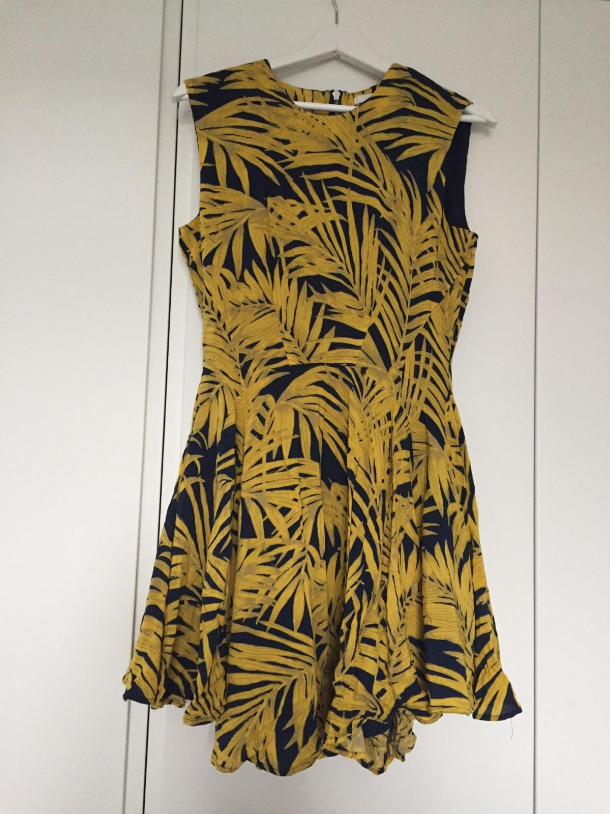 9e1724f80b2f H M ladies skater dress size 10 in London for £4.00 for sale - Shpock