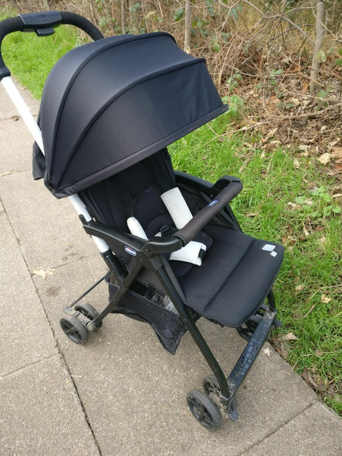 Black Super Compact /& Lightweight Chicco Ohlala Baby Stroller