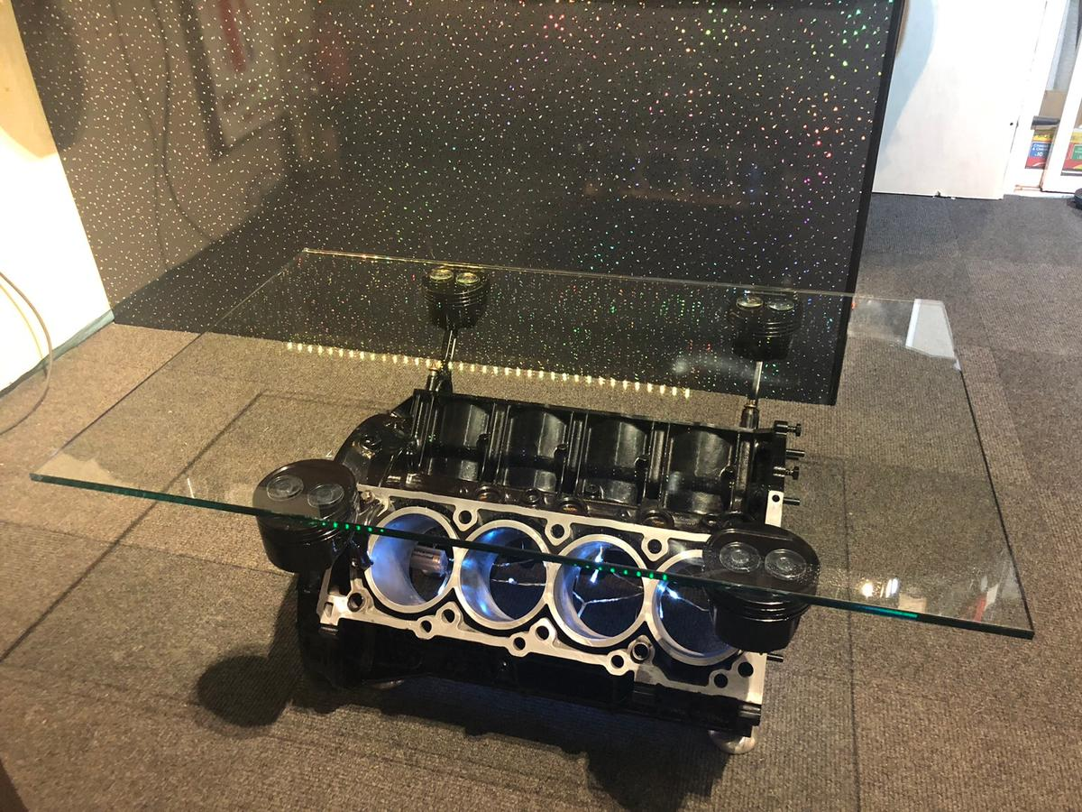Mercedes Benz sl500 r230 amg v8 engine table in CH2 Chester
