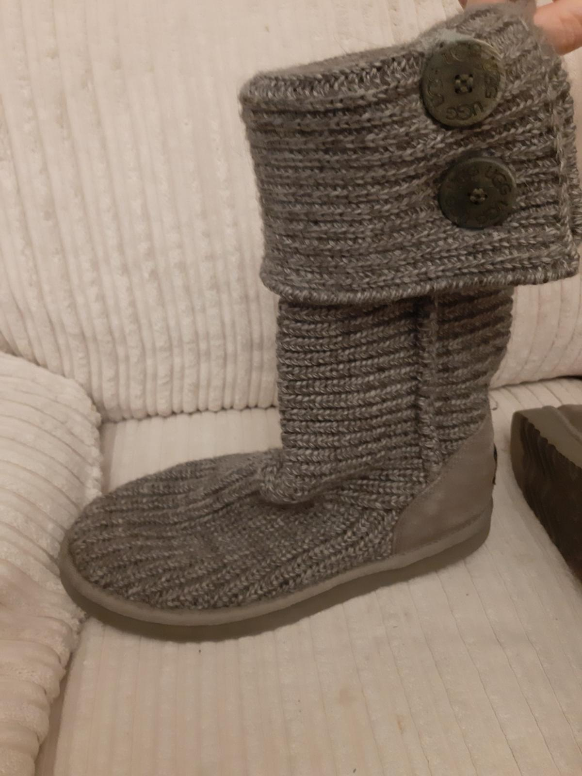 b8b6124537d UGG BOOTS in E17 London Borough of Waltham Forest for £30.00 for ...