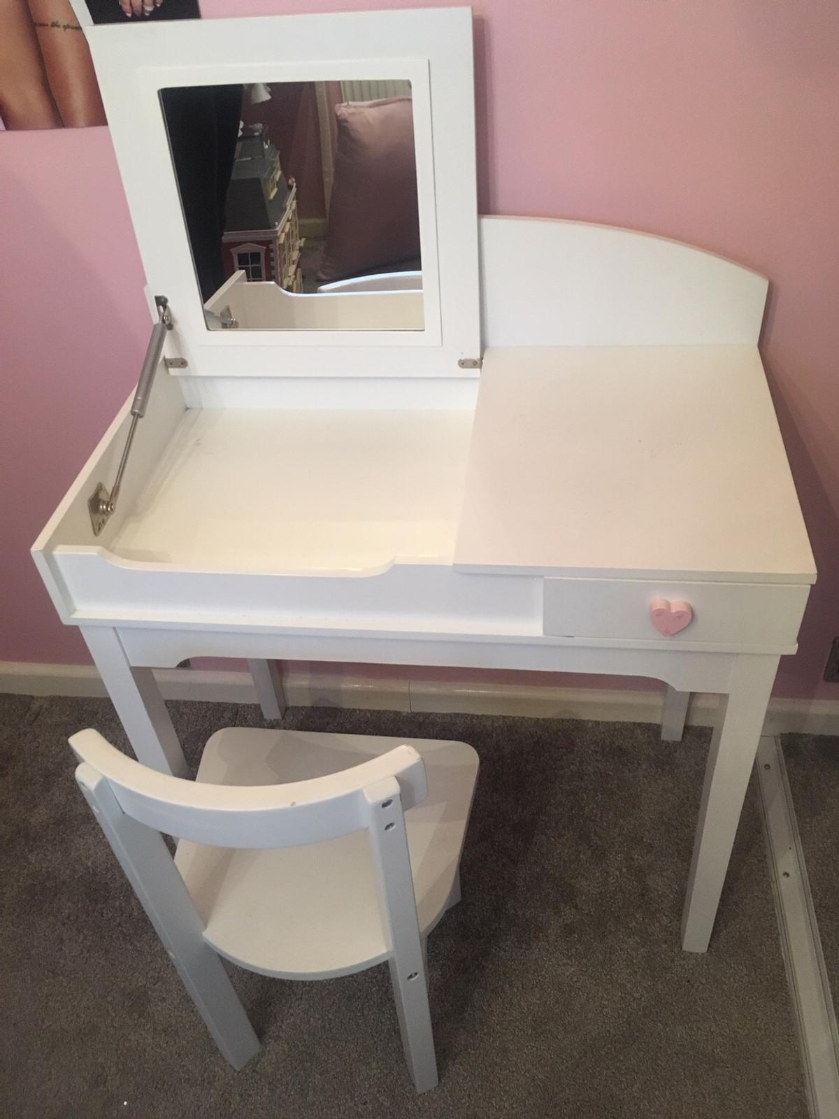 Girls Dressing Table With Chair