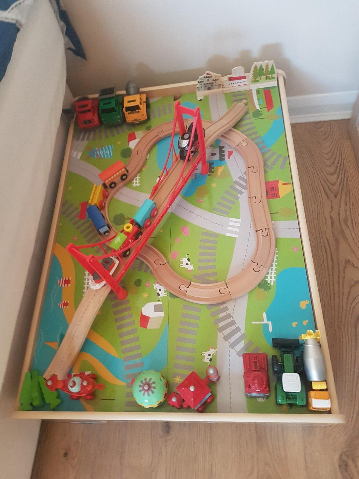 Peachy Table Car Train Track Interior Design Ideas Apansoteloinfo