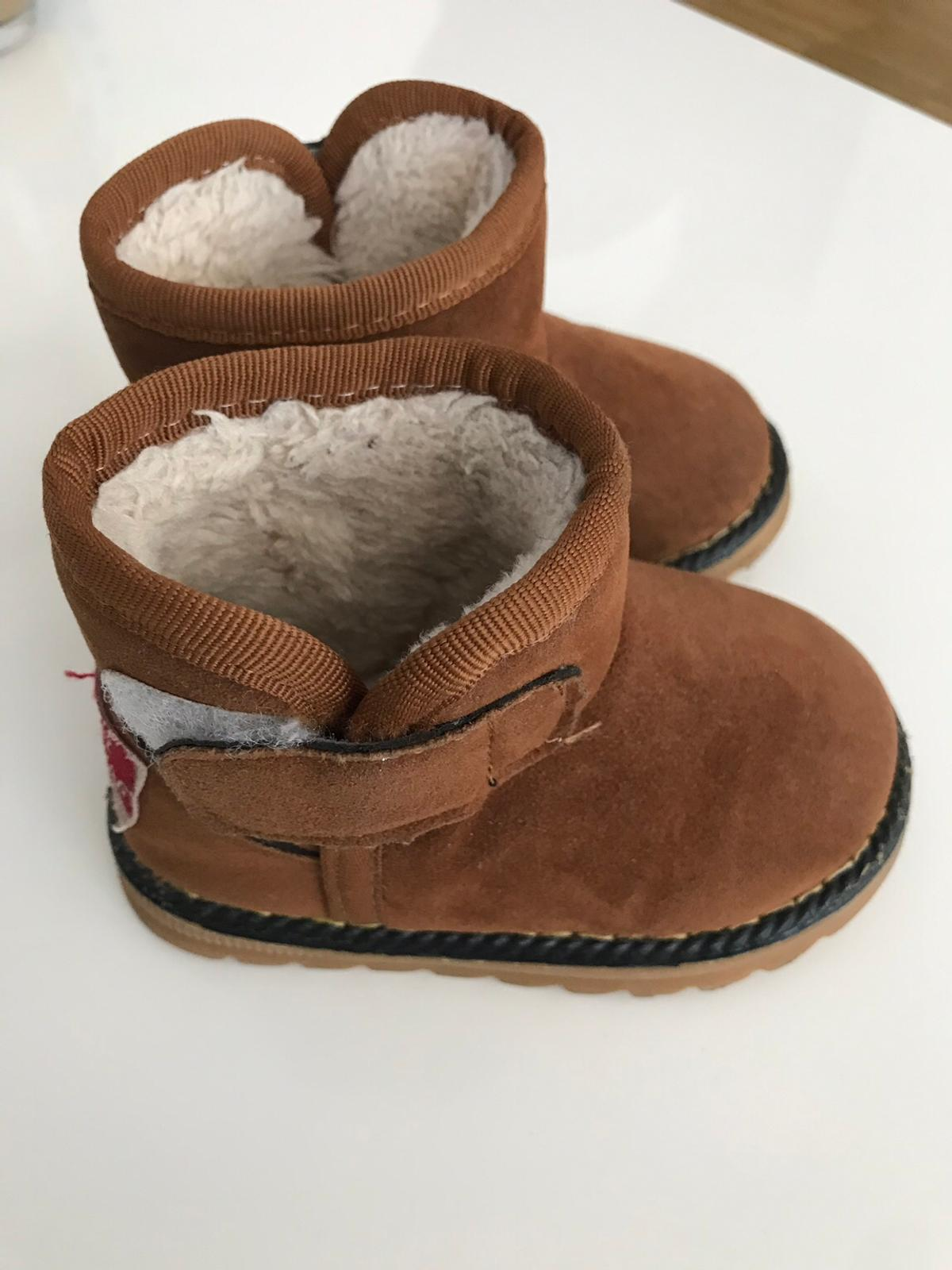 competitive price 691e3 1298f Kinder/Baby Winterschuhe in 6850 Dornbirn für 6,00 € zum ...