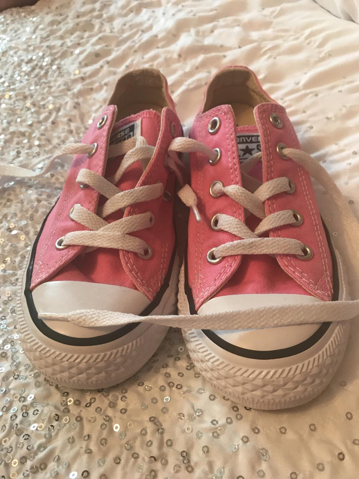0fce17b6647c Girls size 13 pink converse in London for £8.00 for sale - Shpock