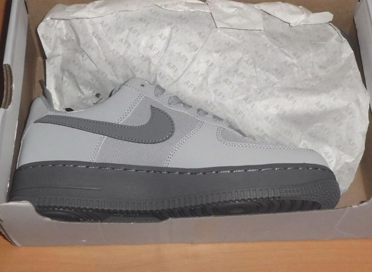 on sale dbf3c f17e1 Nike Air Force 1 07 TXT Trainers Wolf Grey
