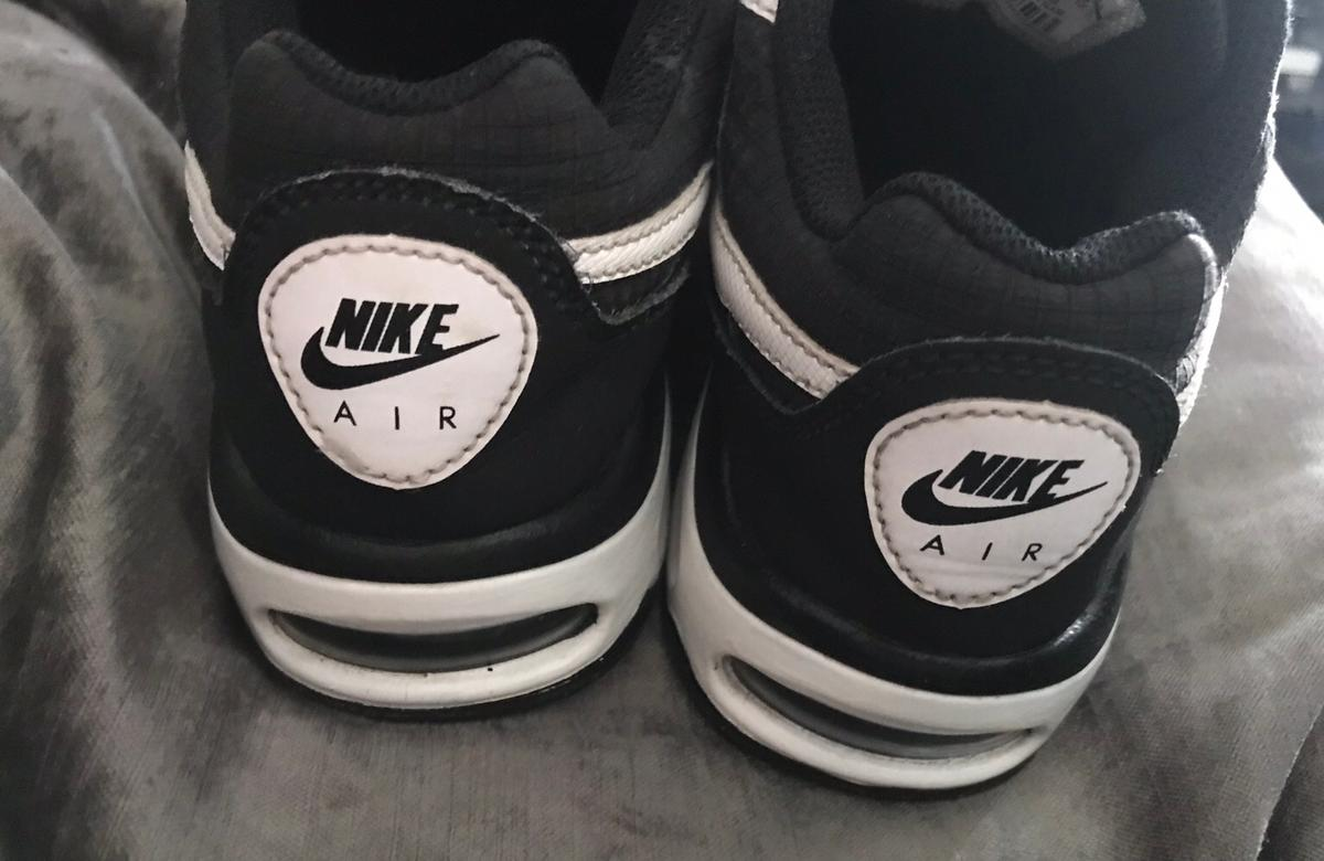 c24c4dc4b32a3 Kids Nike air max trainers size 1 in RM15 Aveley for £7.00 for sale ...