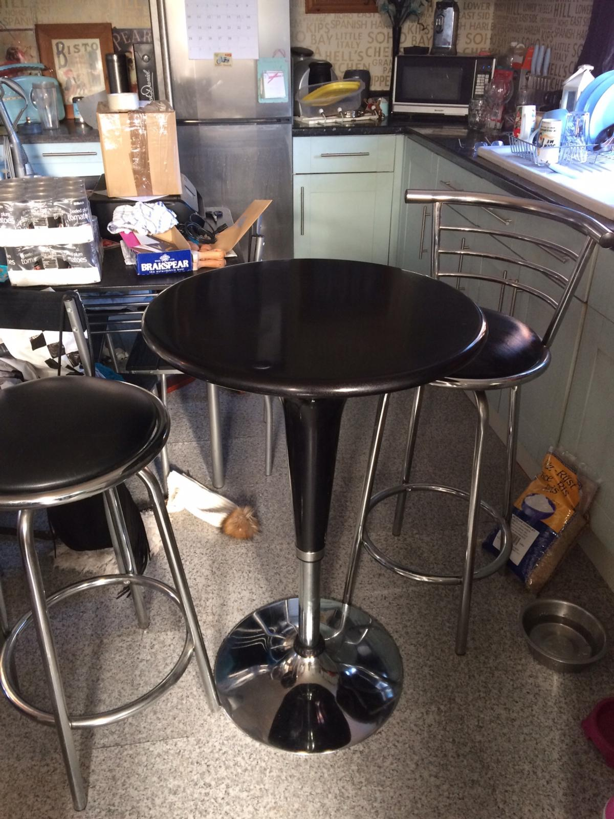 Picture of: Tall Bistro Table Swivel Chairs In Hr9 Wye For 65 00 For Sale Shpock