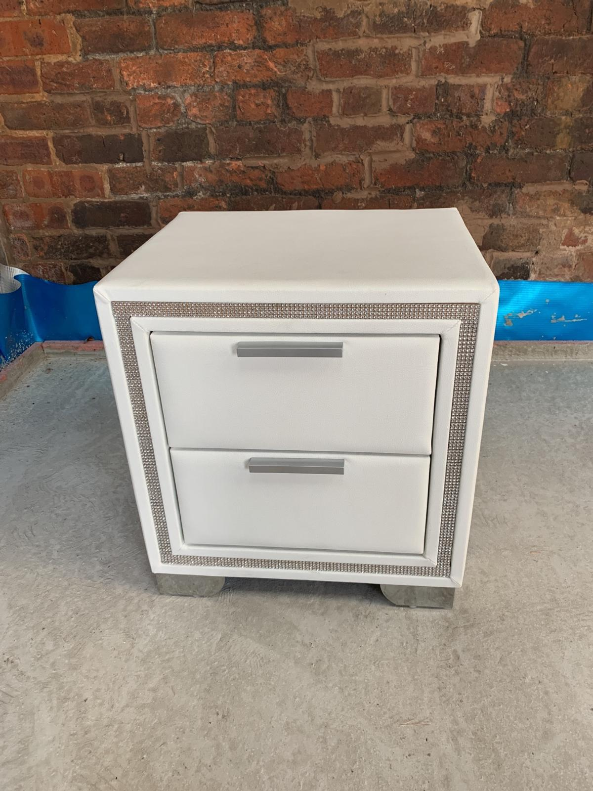 Picture of: White Faux Leather Diamante Bedside Chest In M28 Wigan For 80 00 For Sale Shpock